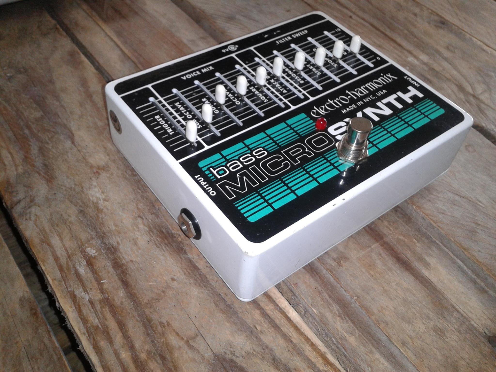 electro harmonix bass micro synth image 1881786 audiofanzine. Black Bedroom Furniture Sets. Home Design Ideas