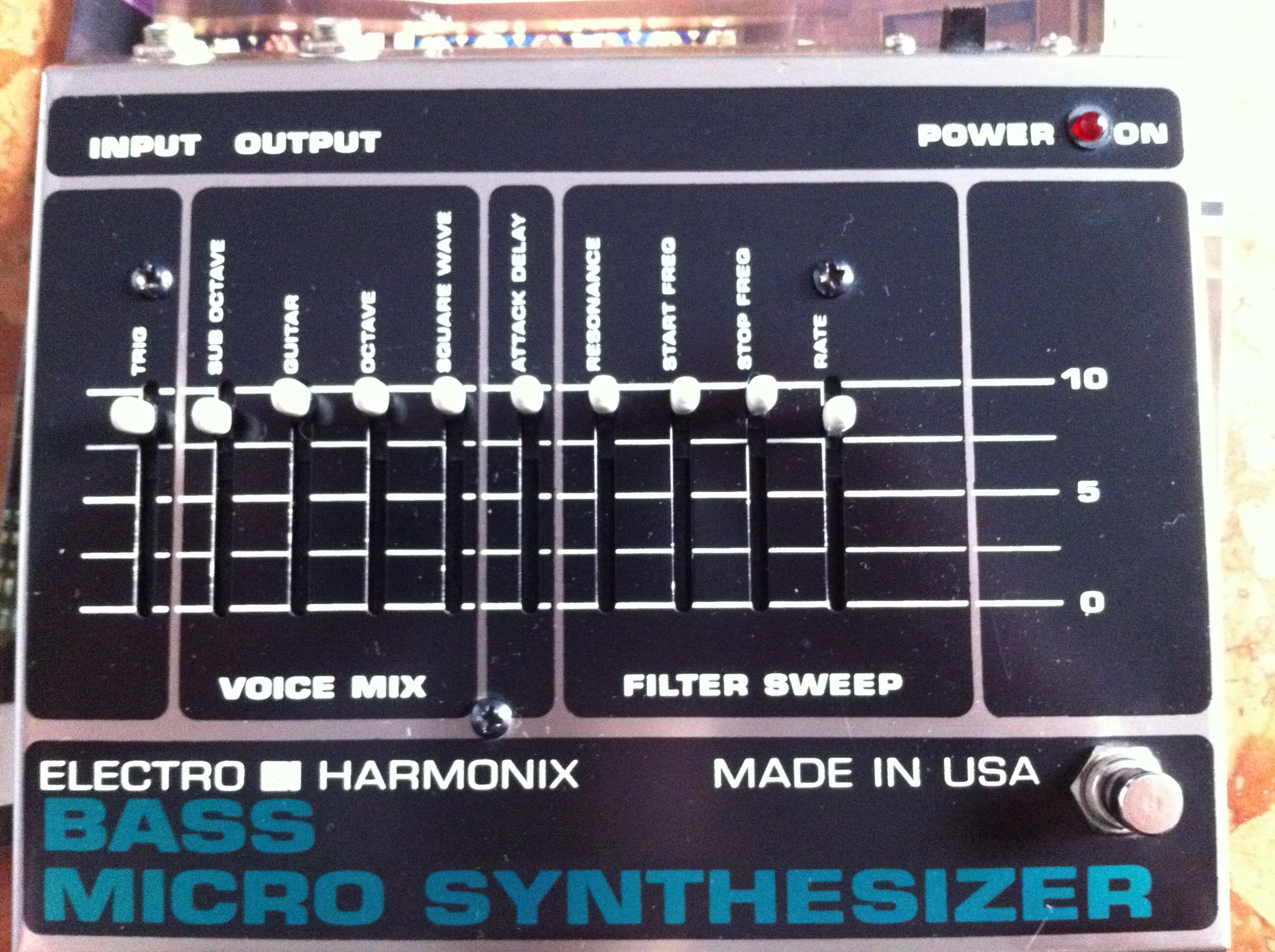 electro harmonix bass micro synthesizer original image 279799 audiofanzine. Black Bedroom Furniture Sets. Home Design Ideas