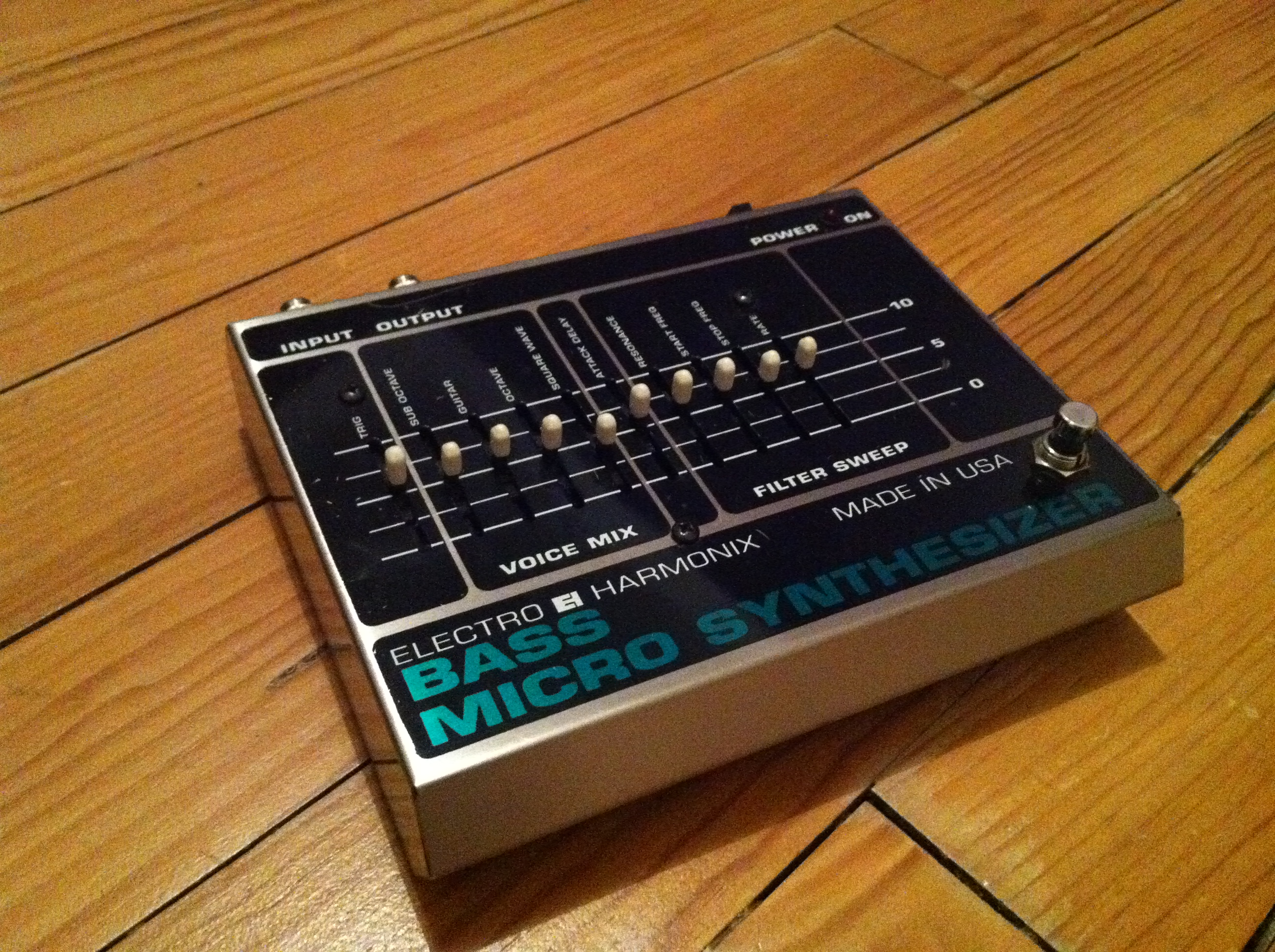 electro harmonix bass micro synthesizer original image 291919 audiofanzine. Black Bedroom Furniture Sets. Home Design Ideas