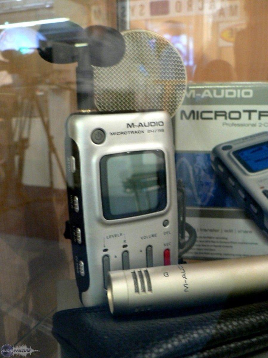 photo enregistreurs studios de poche l le m audio microtrack avec son petit micro st r o. Black Bedroom Furniture Sets. Home Design Ideas