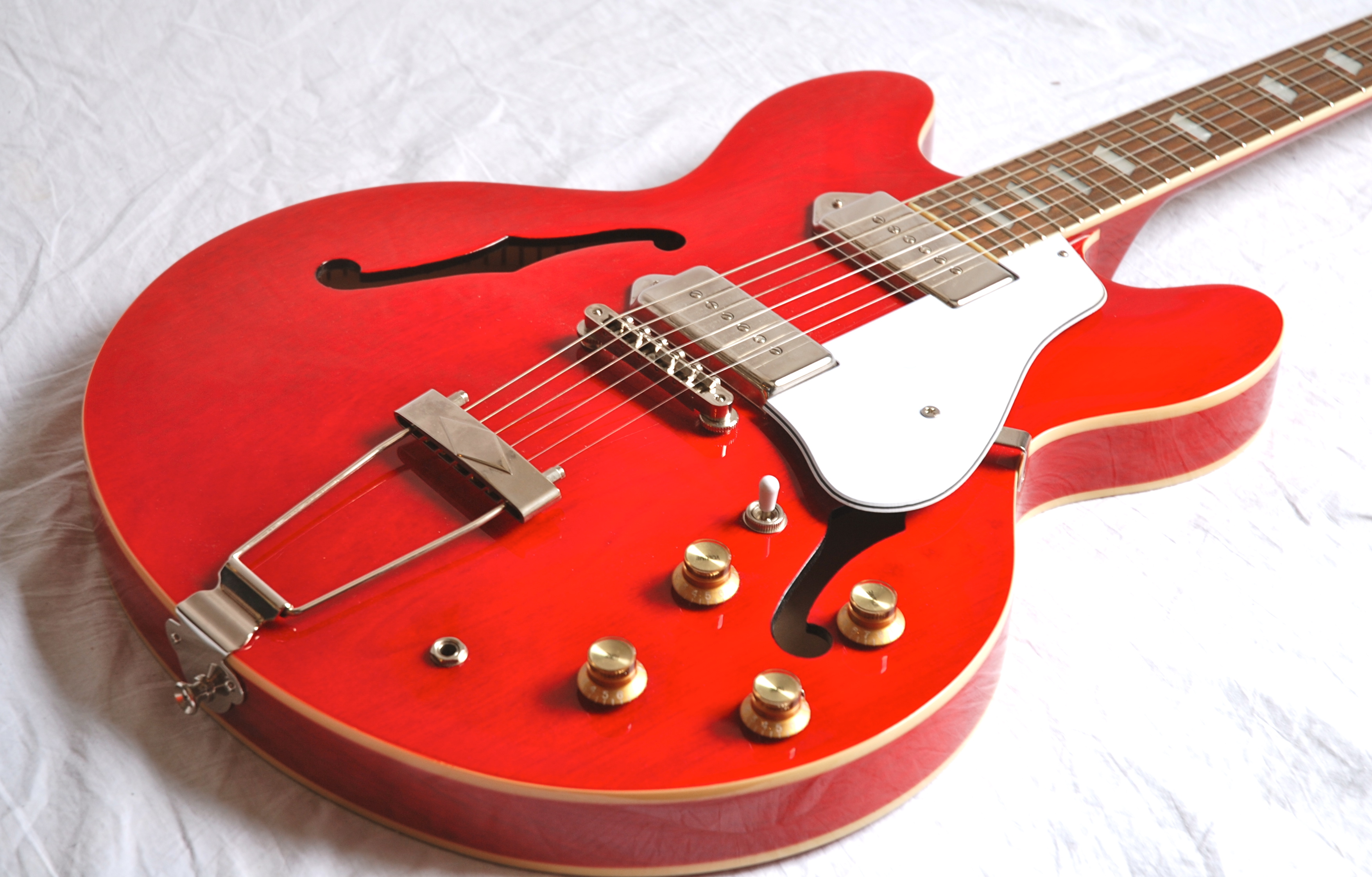 Epiphone casino reissue three rivers casino com