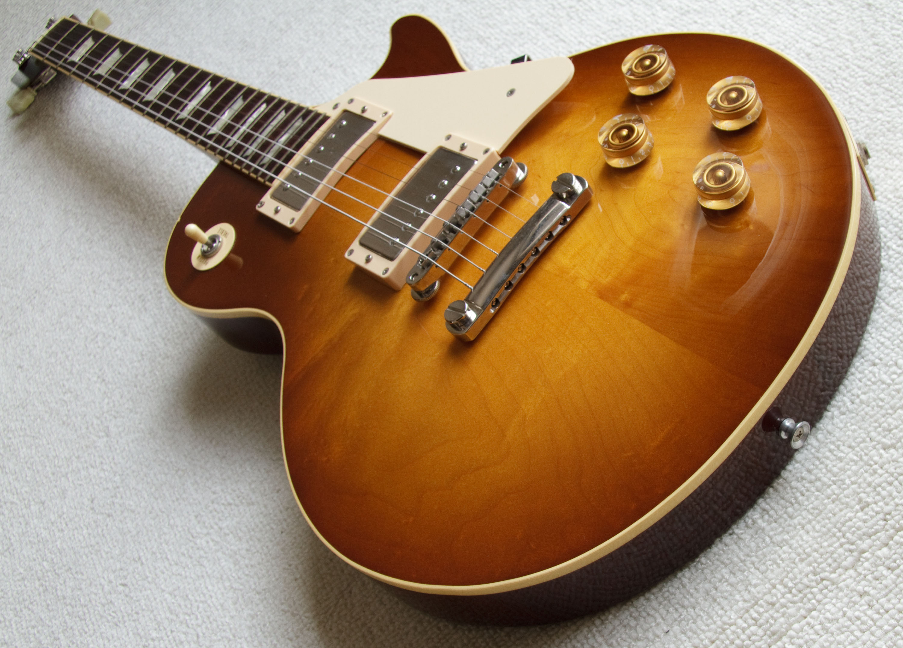 dating epiphone les paul standard Epiphone les paul limited edition serial # u02100726 bluewhat is it edition epiphone limited edition les paul on my epiphone les paul standard.