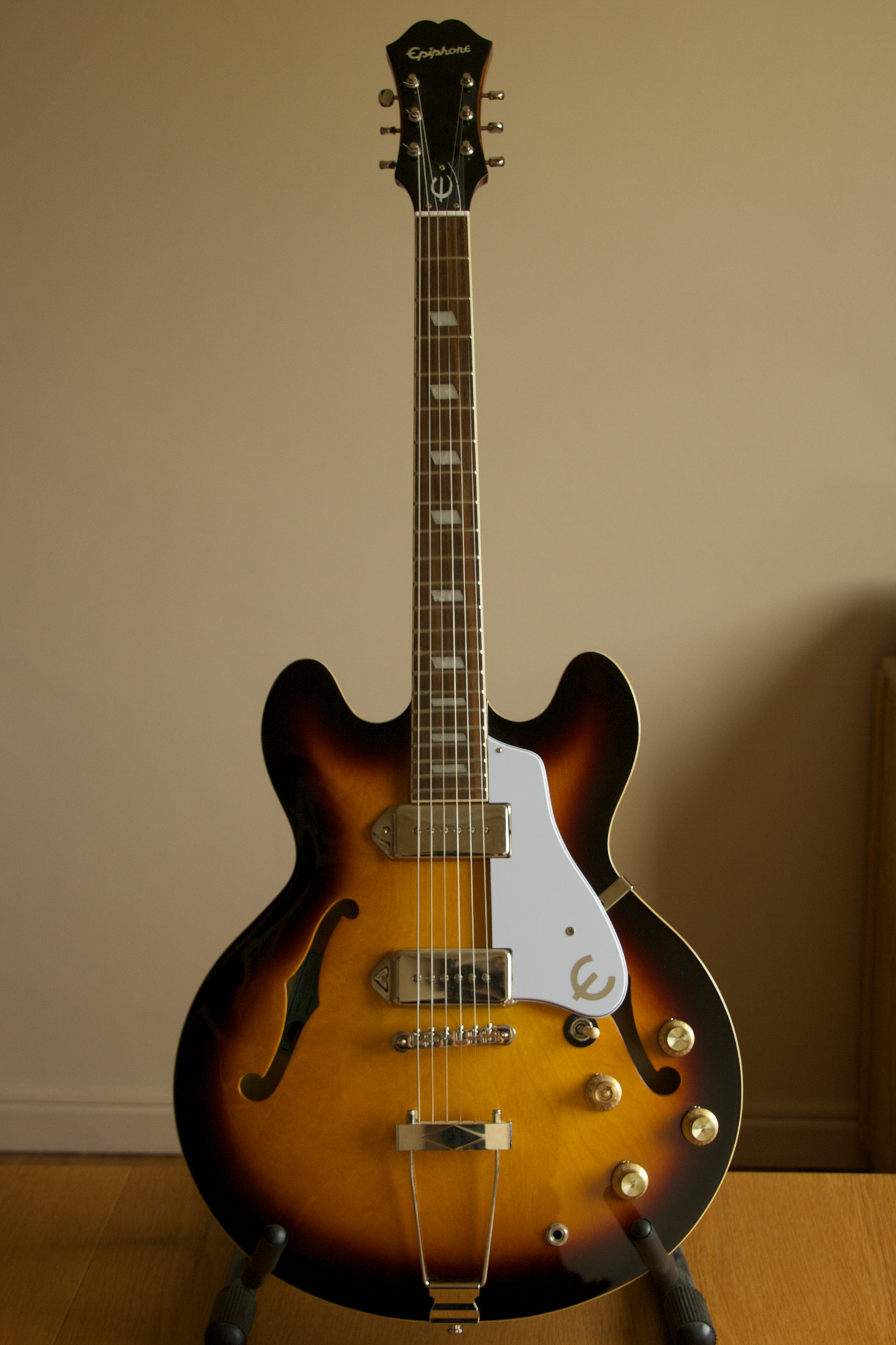 Inspired by john lennon epiphone casino review roulette coulissant alu technal