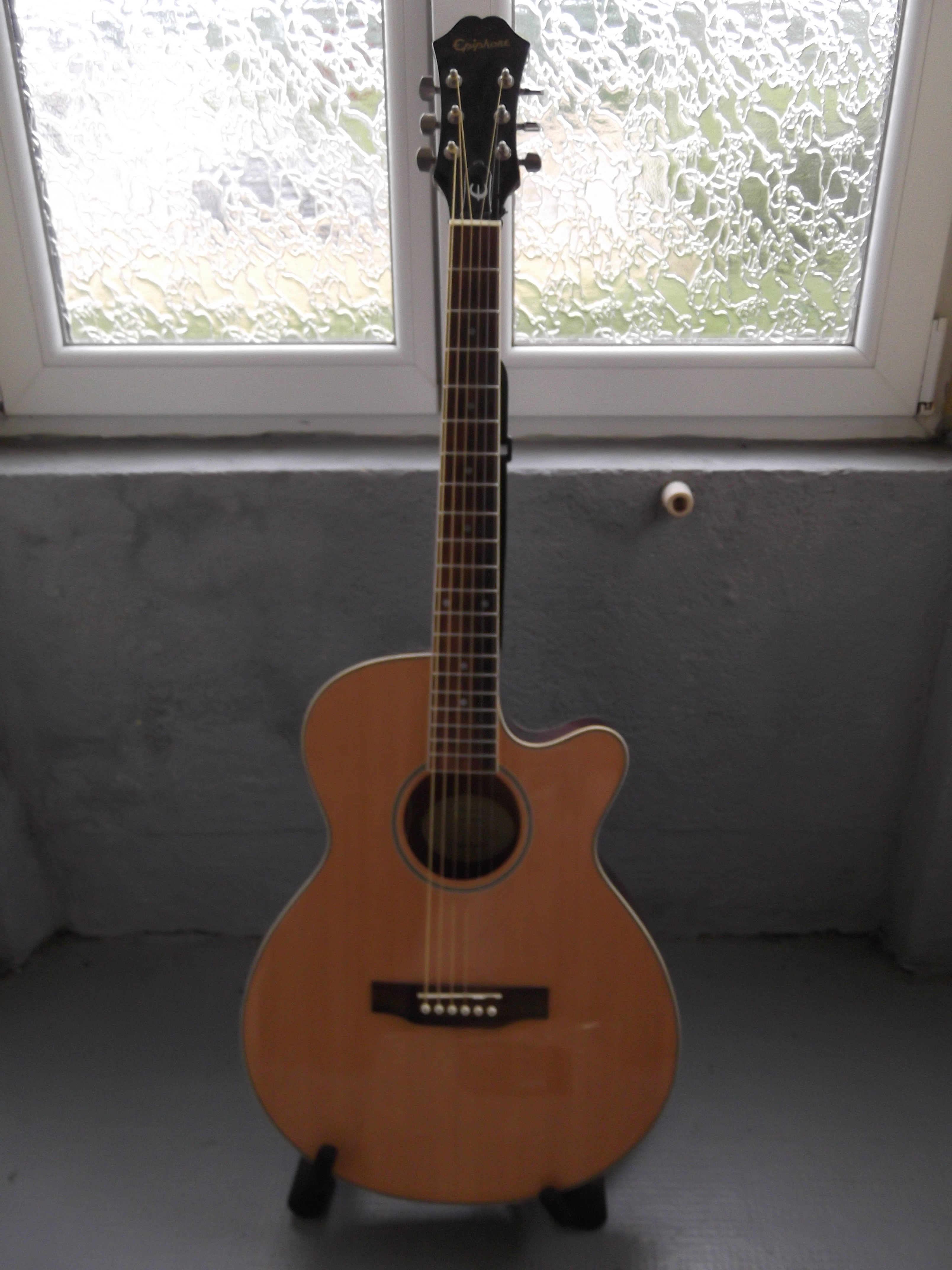 Epiphone PR-4E Acoustic//Electric Player Pack in Natural