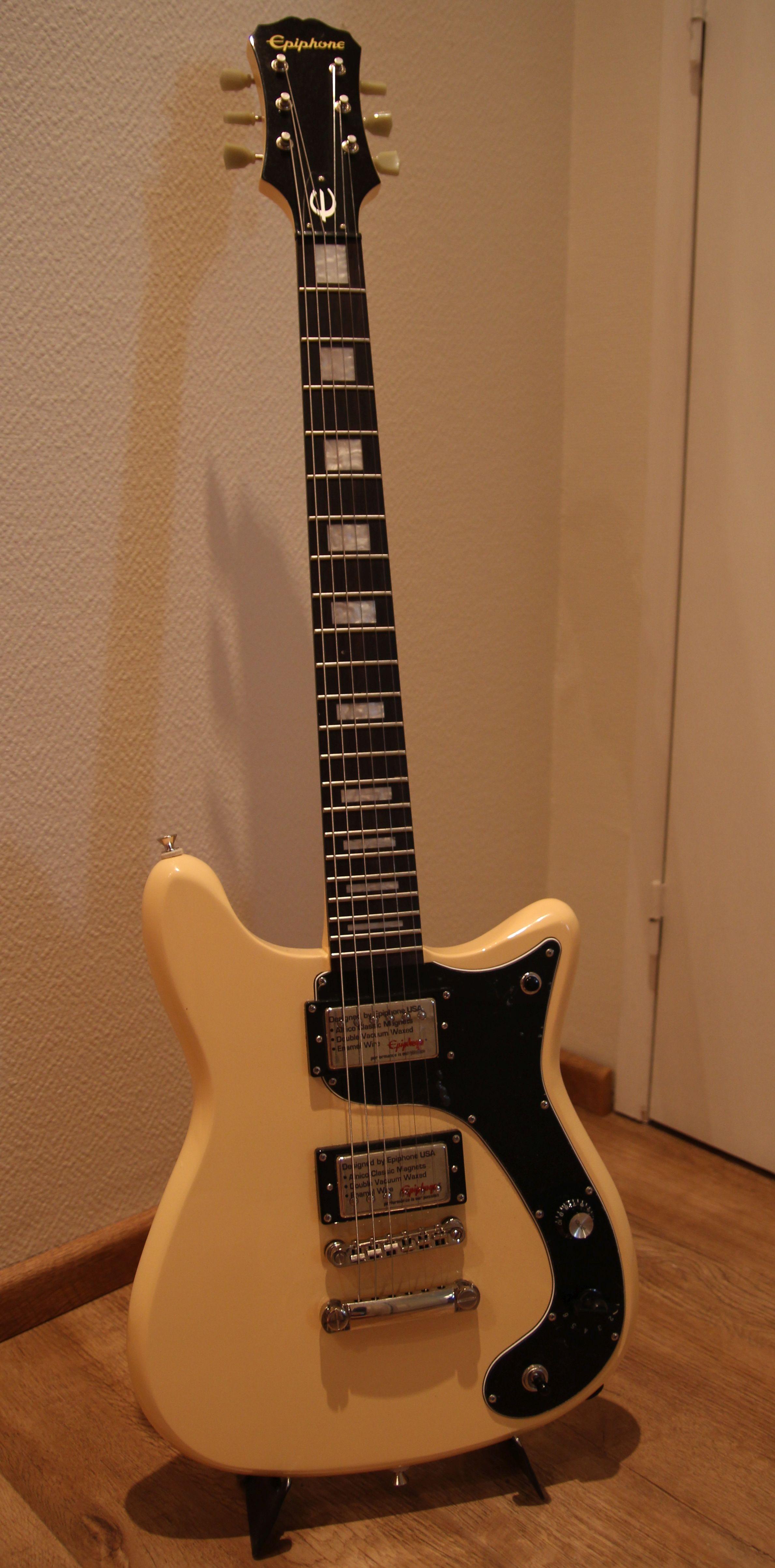 WILSHIRE PHANT-O-MATIC - Epiphone Wilshire Phant-O-Matic ...: http://fr.audiofanzine.com/autre-guitare-electrique-solid-b/epiphone/wilshire-phant-o-matic/