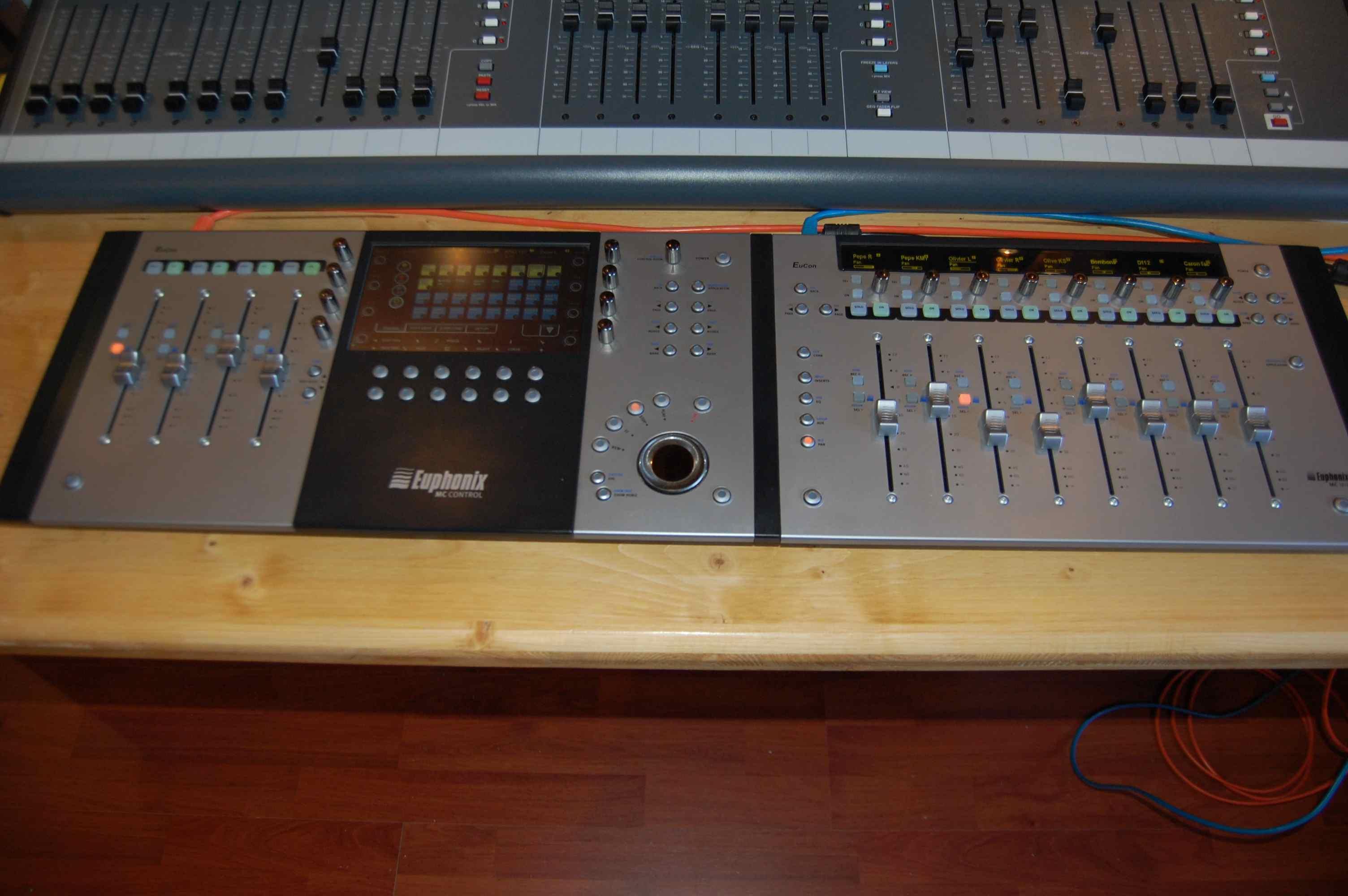 photo euphonix mc control v2 euphonix mc control v2 5119 439218 audiofanzine. Black Bedroom Furniture Sets. Home Design Ideas