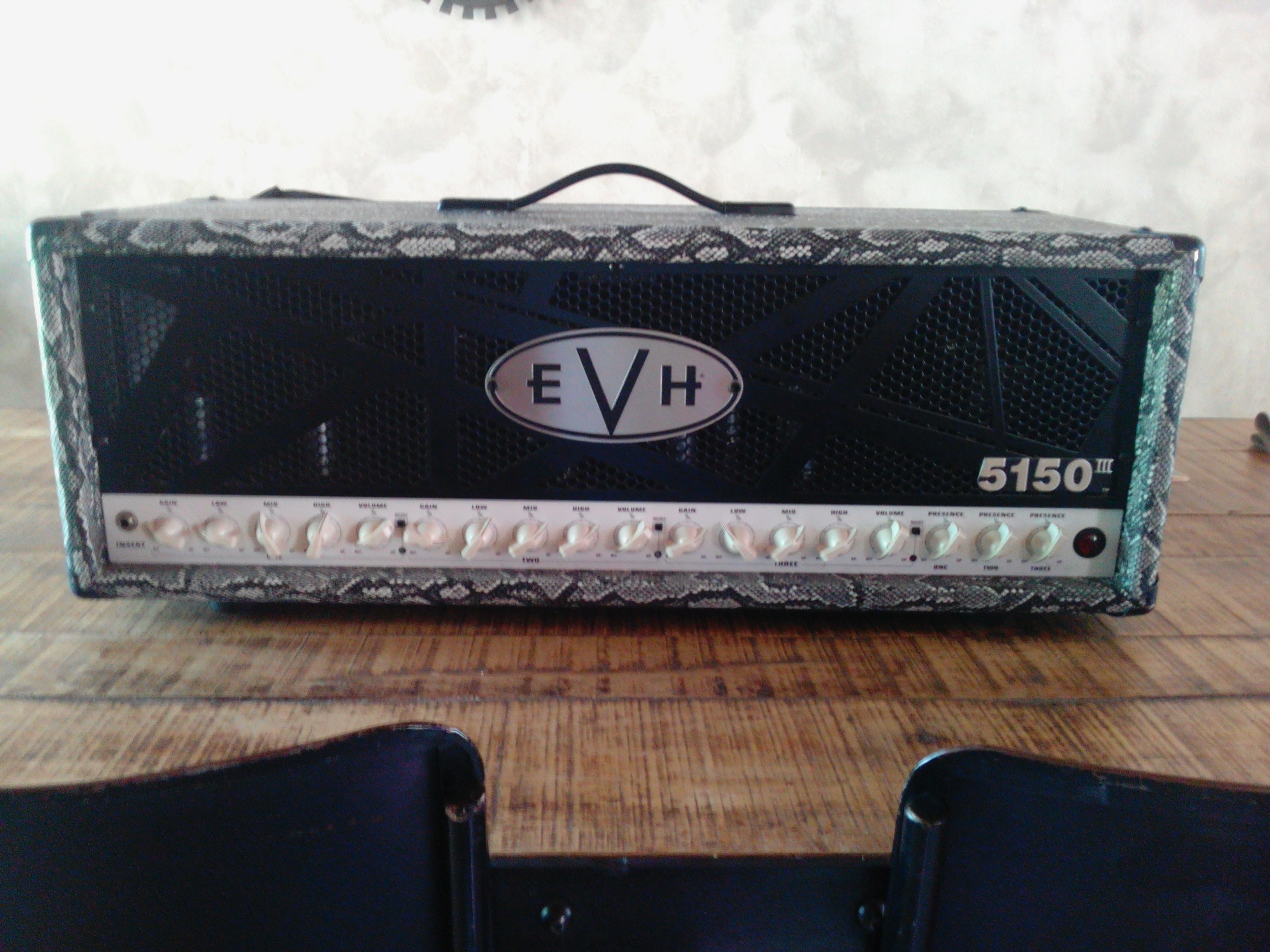 evh 5150 iii 100w head image 1532360 audiofanzine. Black Bedroom Furniture Sets. Home Design Ideas