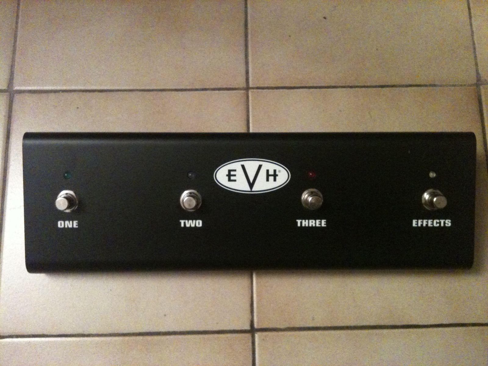 evh 5150 iii 100w head image 215204 audiofanzine. Black Bedroom Furniture Sets. Home Design Ideas