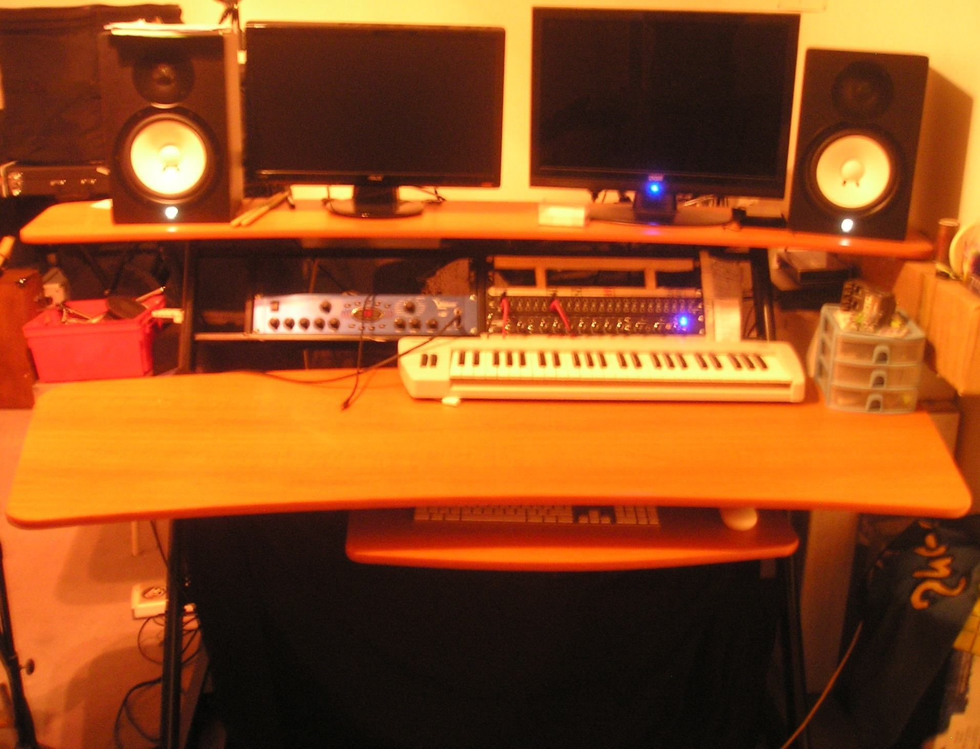 Fame W 200 Studio Workstation image Audiofanzine