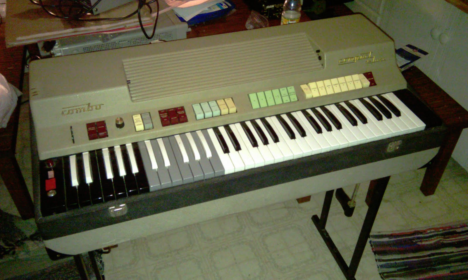 farfisa compact ou compact duo 384456 farfisa compact ou compact duo image ( 384456) audiofanzine farfisa wiring diagram at panicattacktreatment.co