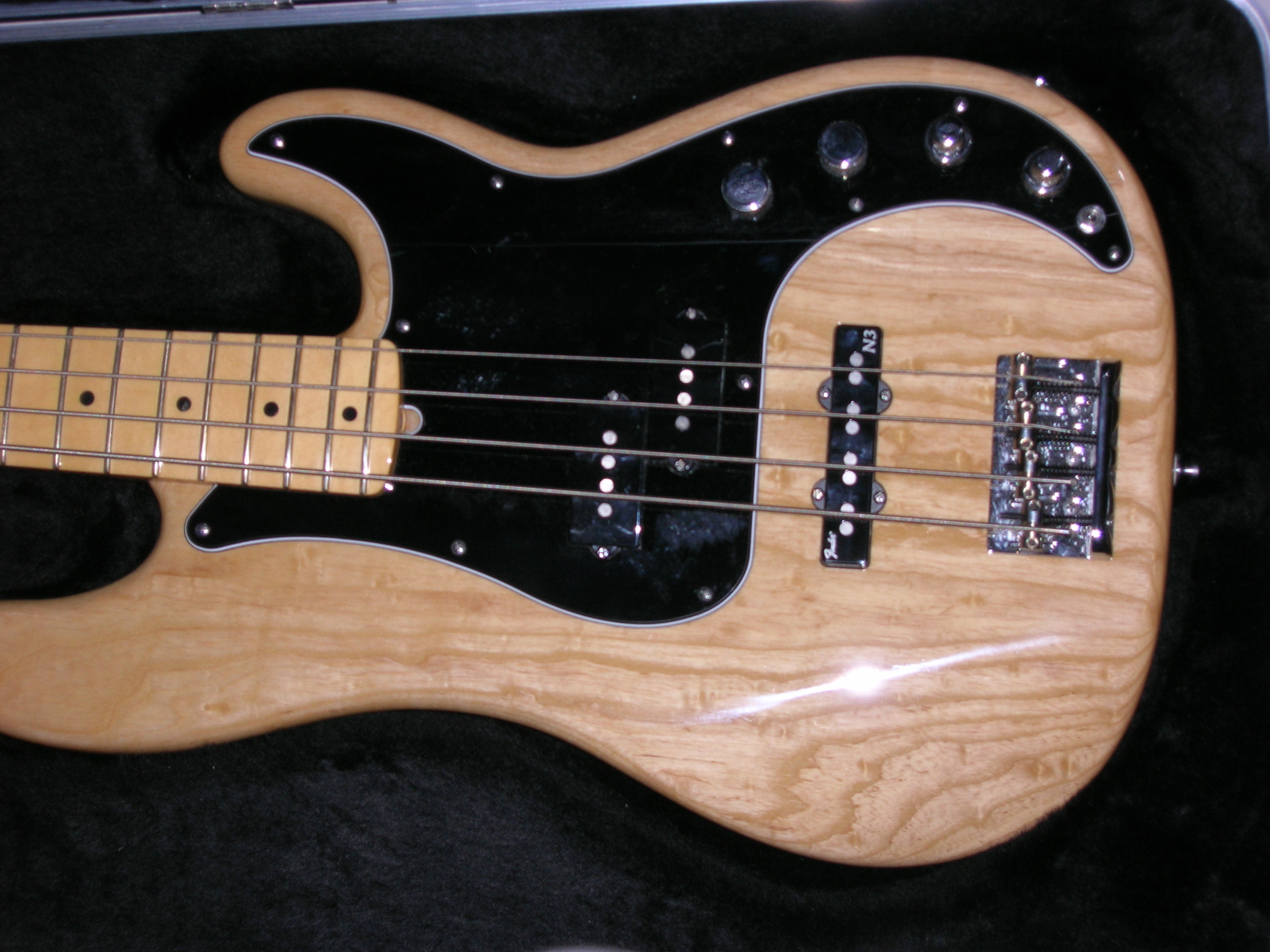 photo fender american deluxe precision bass 2003 2009. Black Bedroom Furniture Sets. Home Design Ideas