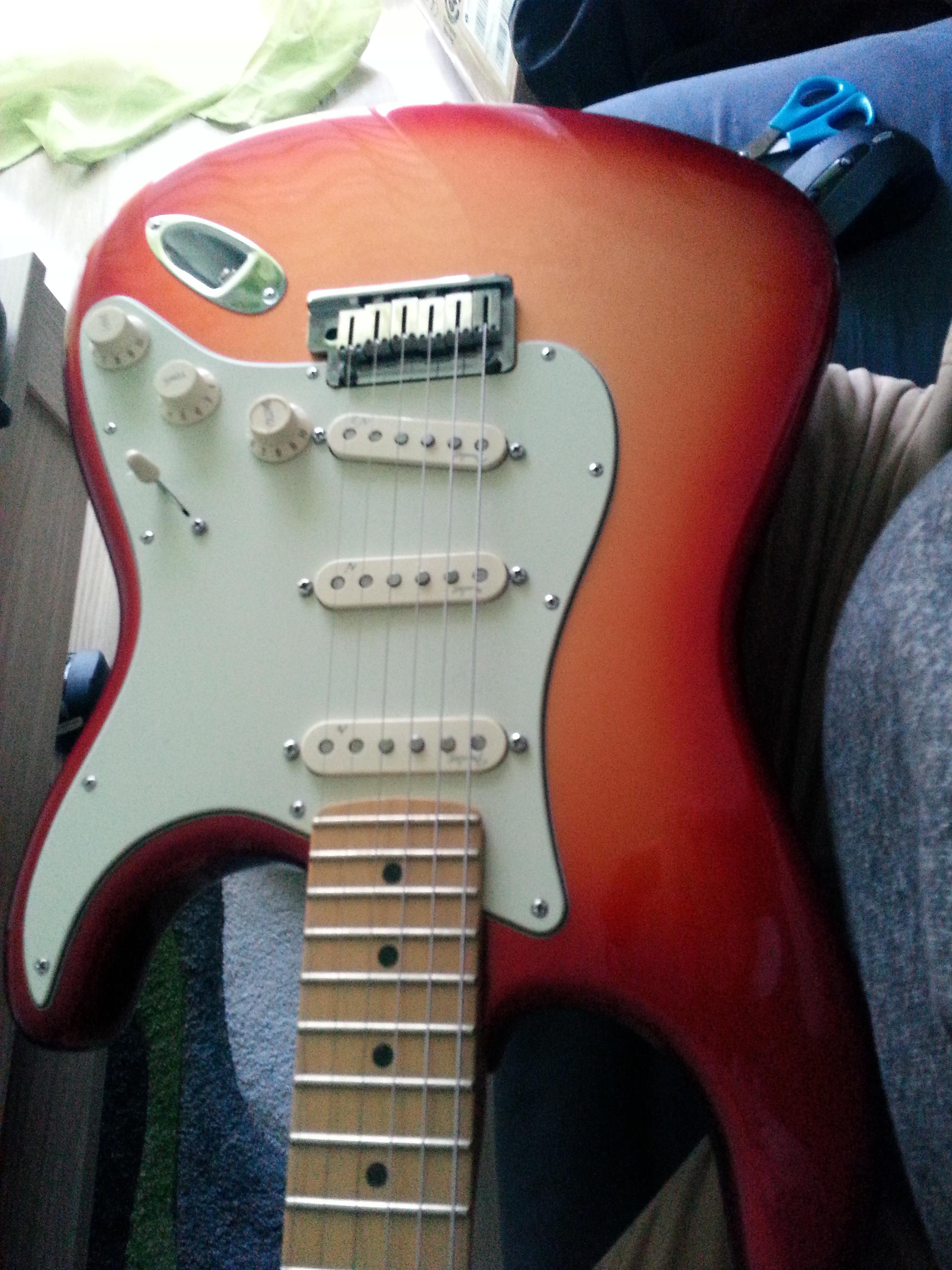American Deluxe Stratocaster 2010 2015 Fender Audiofanzine