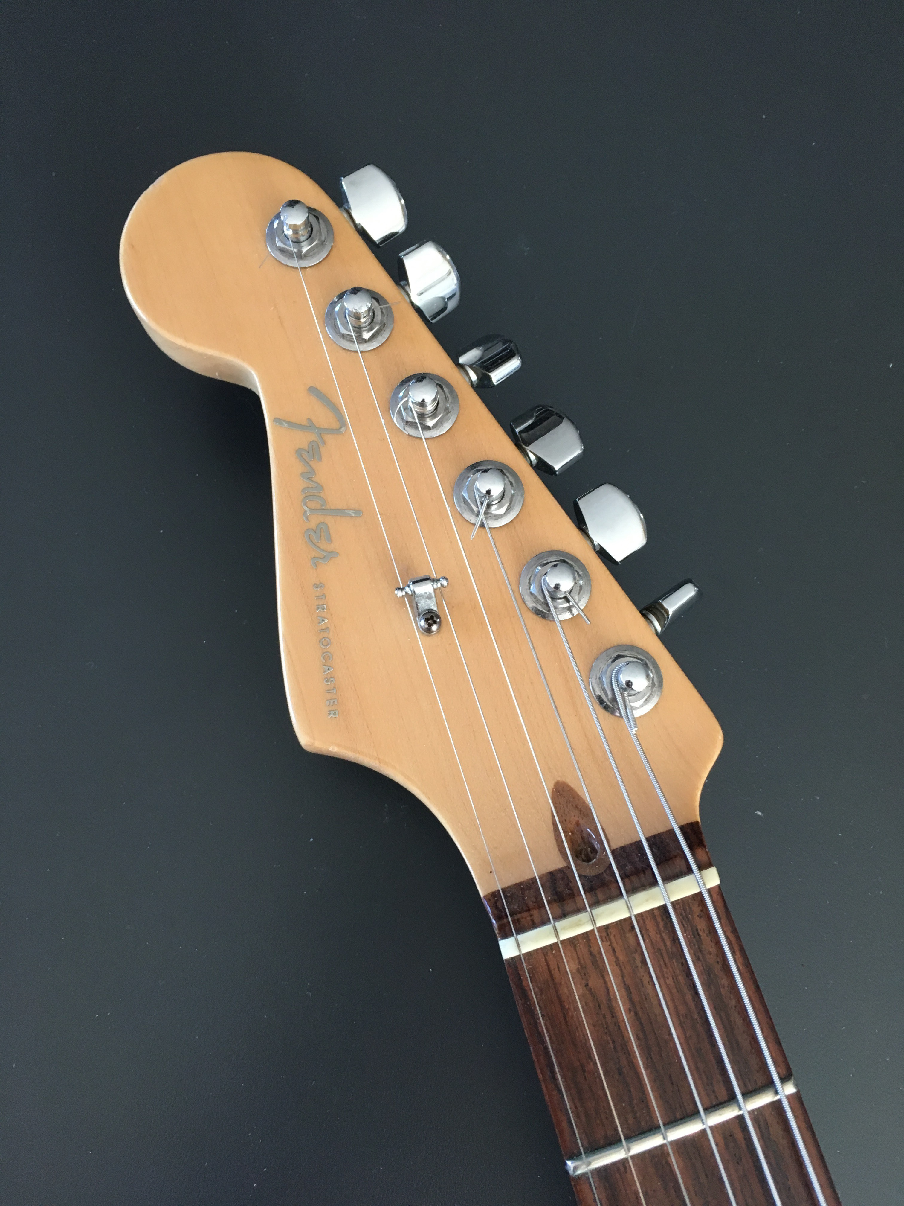 American Deluxe Stratocaster Lh 2010 2015 Fender