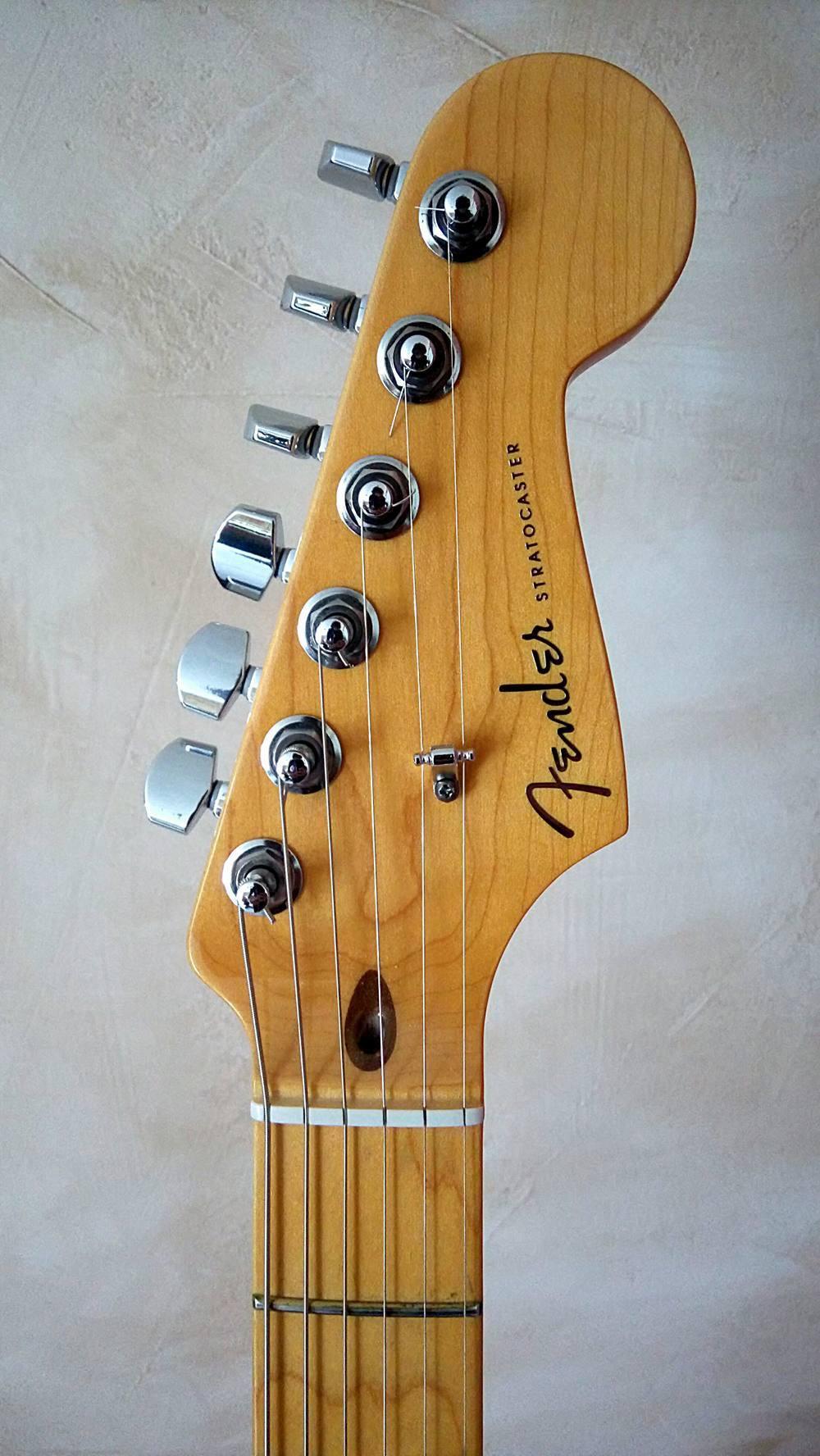American Deluxe Stratocaster V Neck 2010 2015 Fender