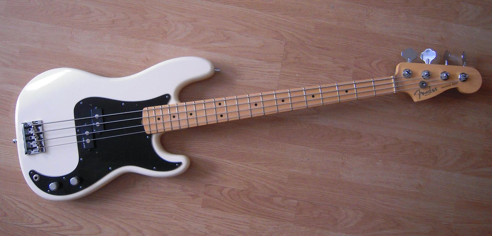fender american standard precision bass 2012 current image 498359 audiofanzine. Black Bedroom Furniture Sets. Home Design Ideas