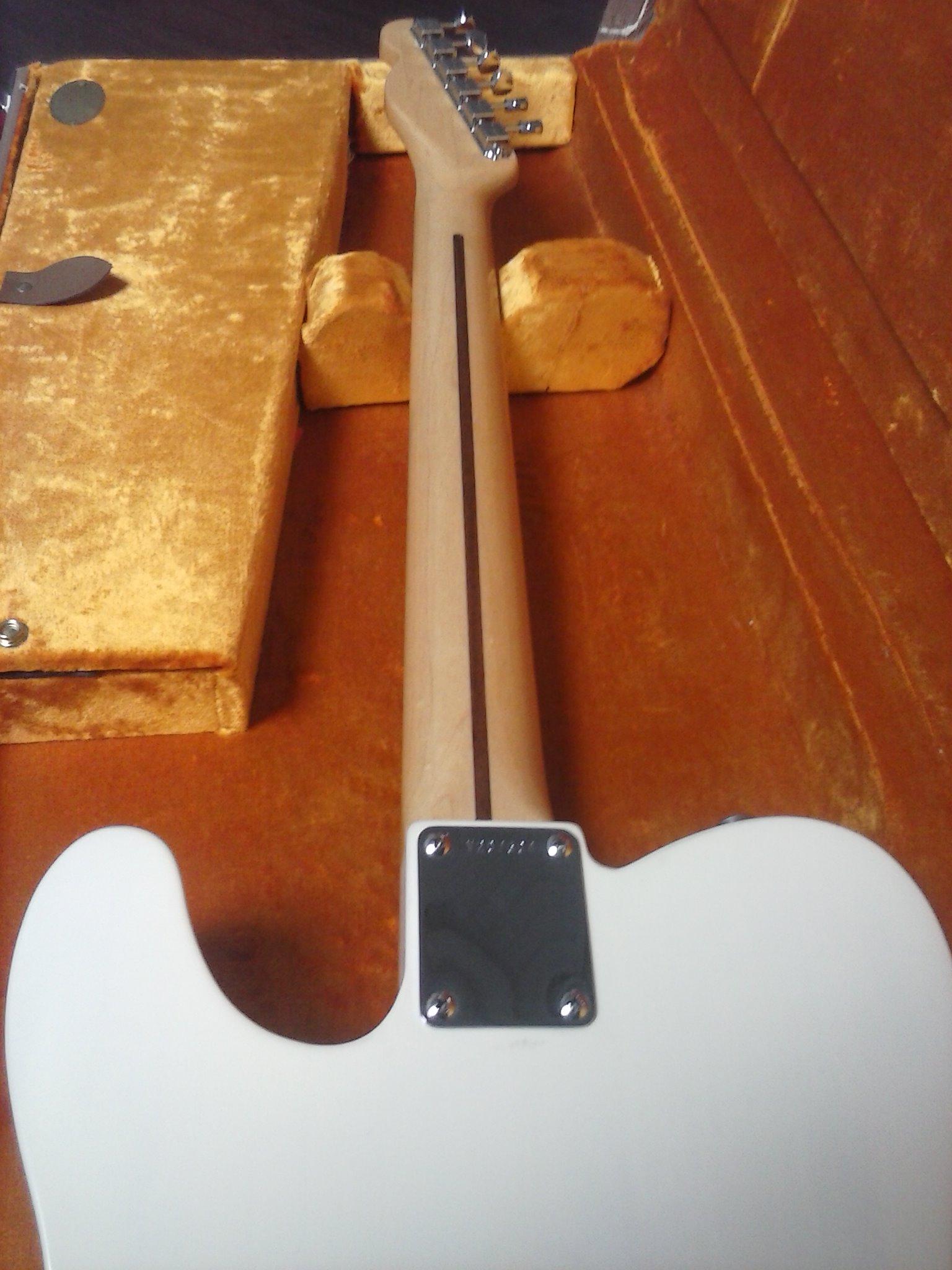 - GuitarShop, spcialiste de l'achat/vente de guitares de