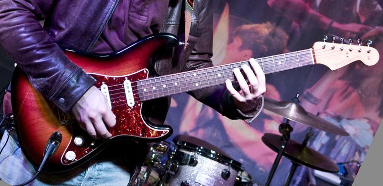 fender-artist-series-john-mayer-stratocaster-3-color-sunburst-100536.jpg
