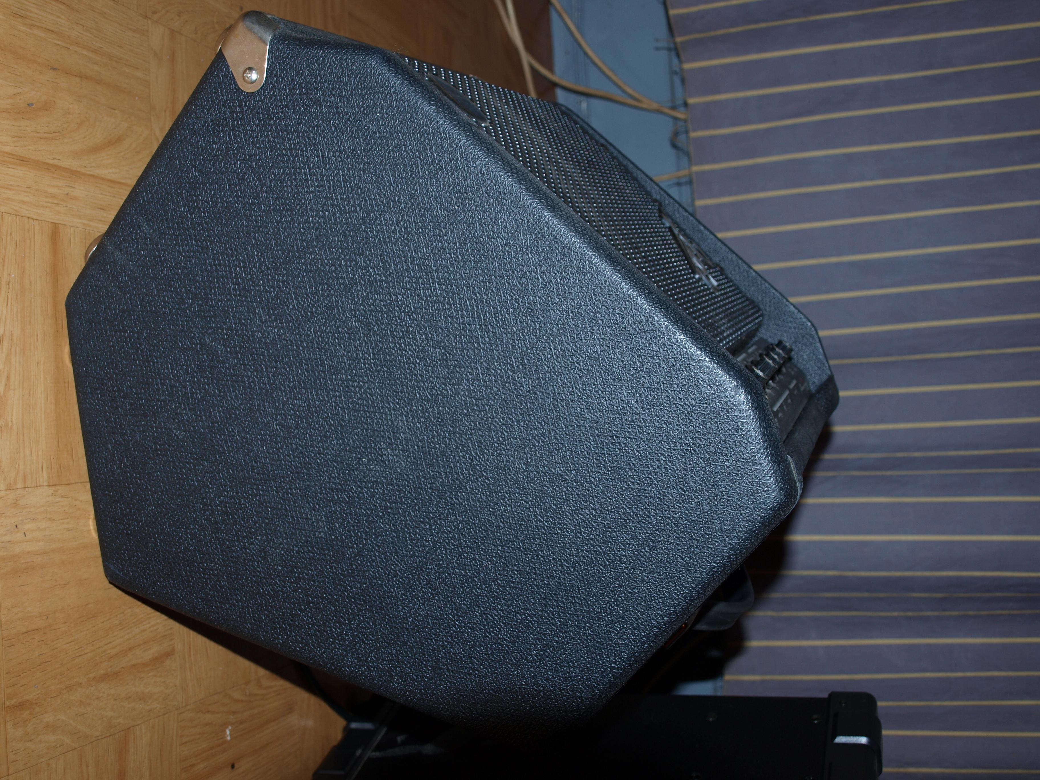fender bassman 25 image 328204 audiofanzine. Black Bedroom Furniture Sets. Home Design Ideas