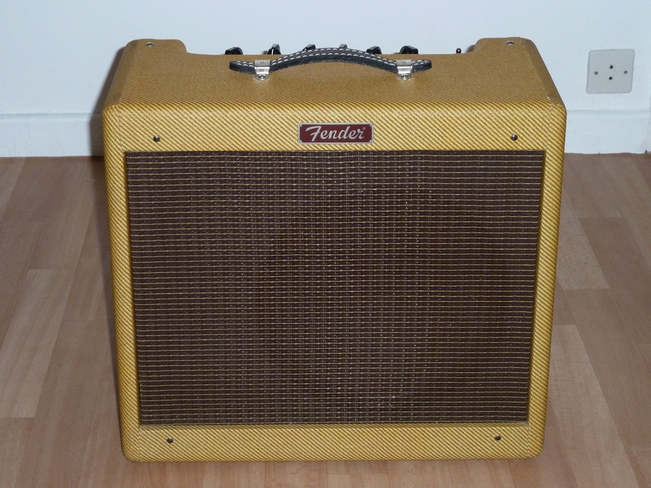 dating a blues junior amp One of the world's most popular guitar amps gets an update  the blues junior flatters single coils and humbuckers  stay up to date with the latest gear and.