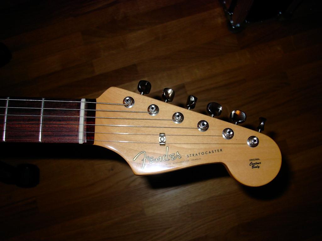 fender classic player 39 60s stratocaster 3 color sunburst image 60340 audiofanzine. Black Bedroom Furniture Sets. Home Design Ideas