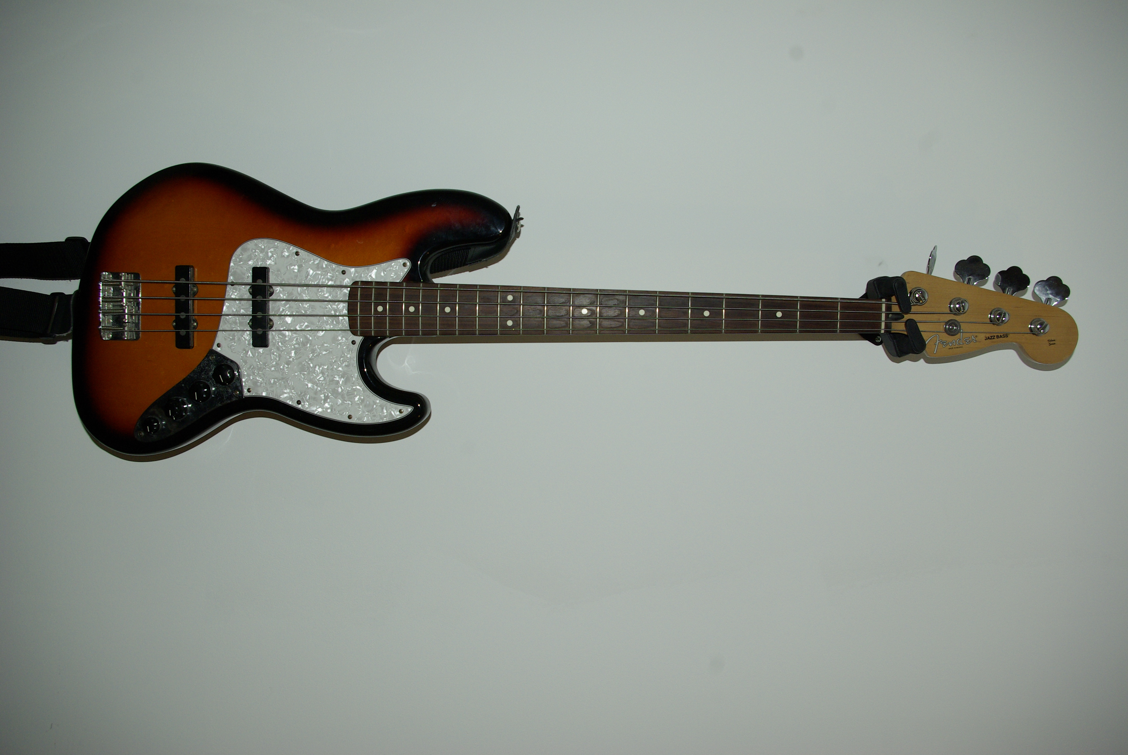 Fender Deluxe Active Jazz Bass  2004-current  Image   301265