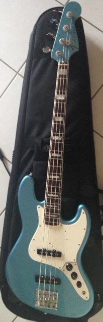 American vintage 75 jazz bass