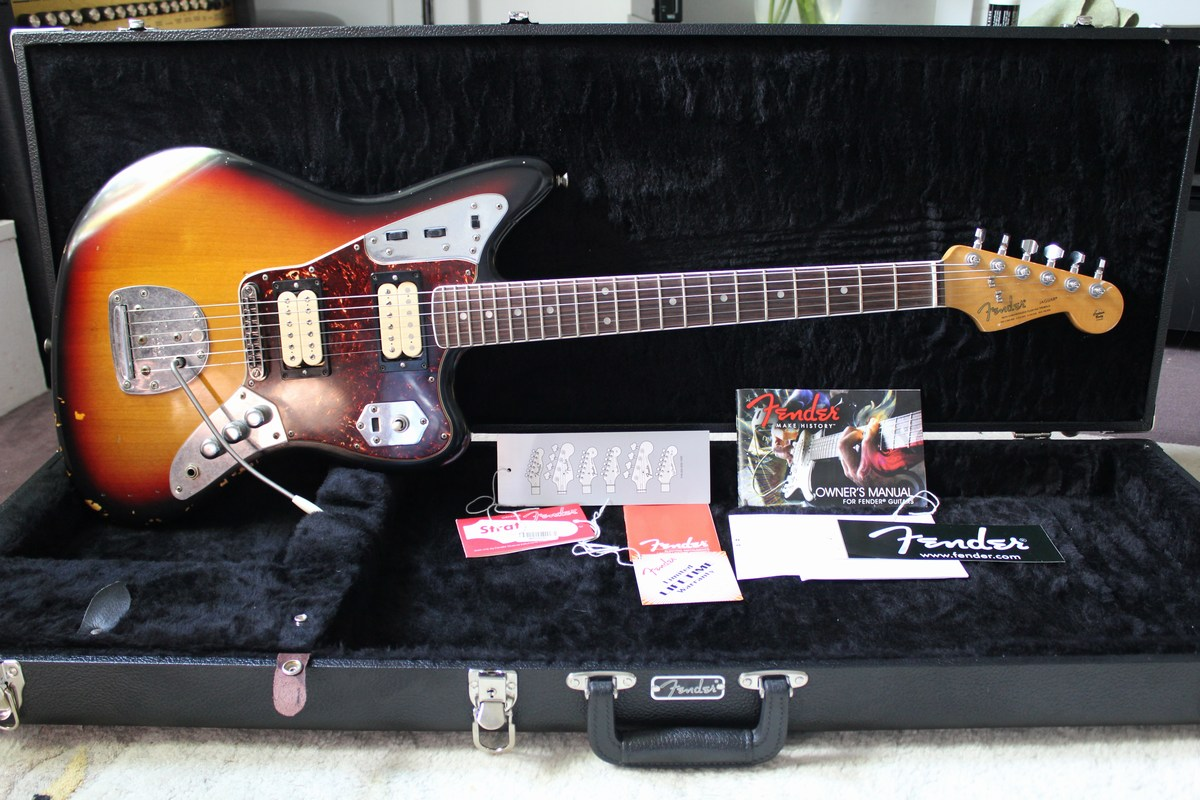 1000 images about guitars on pinterest fender jaguar. Black Bedroom Furniture Sets. Home Design Ideas