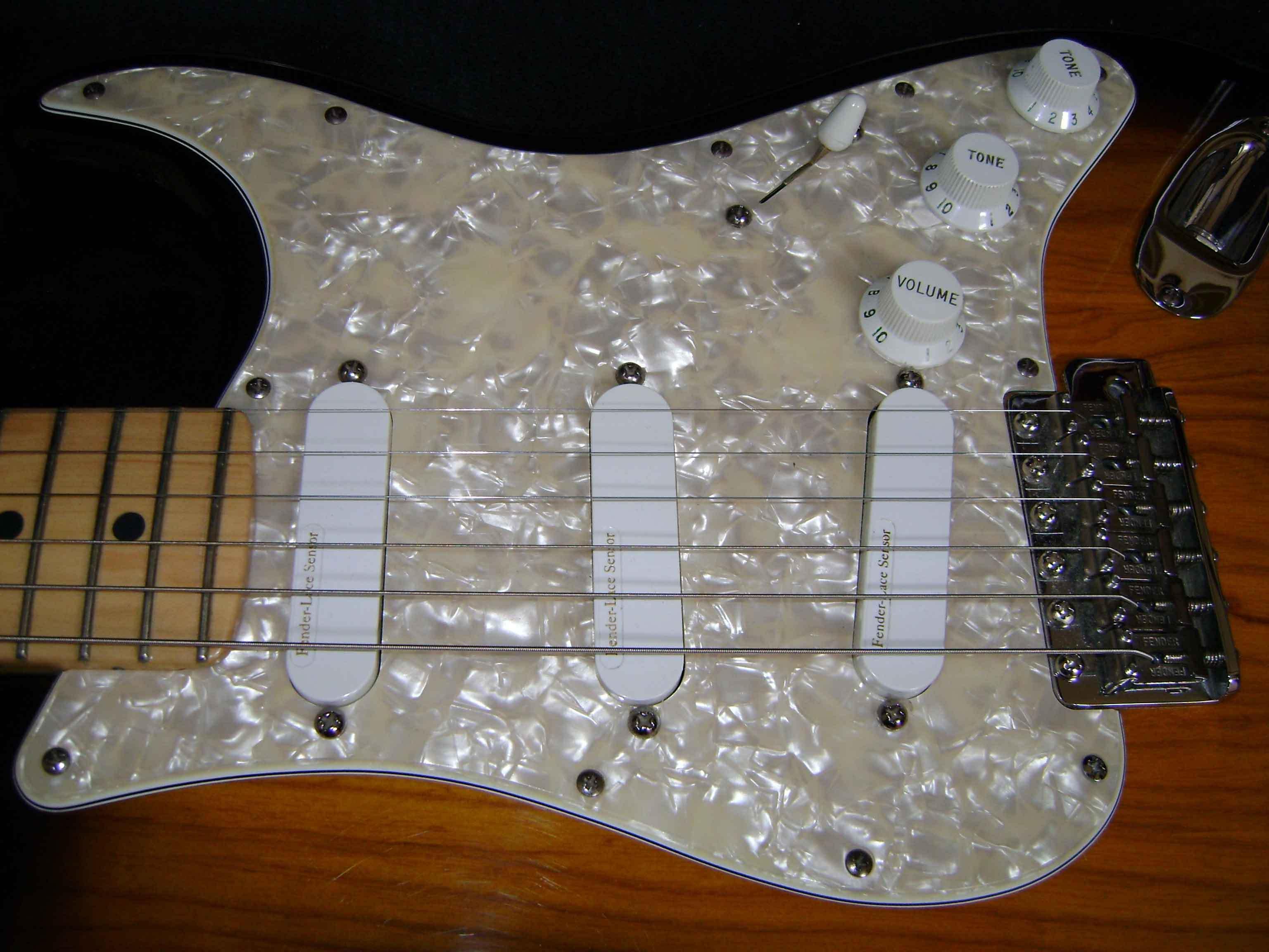 Lace Sensor Gold vs Silver Fender Lace Sensor Silver