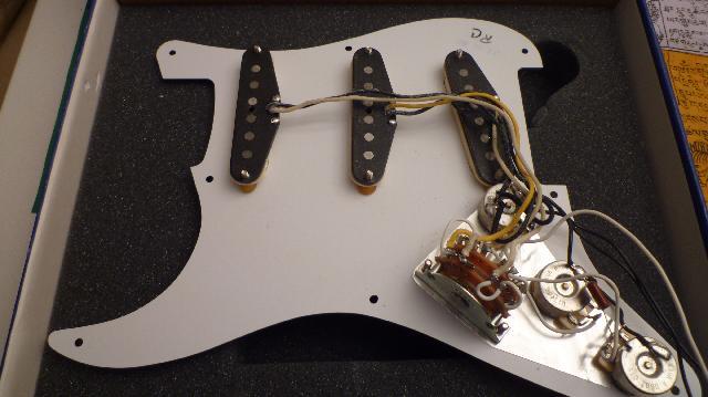 Fender stratocaster 62 - Skis volkl