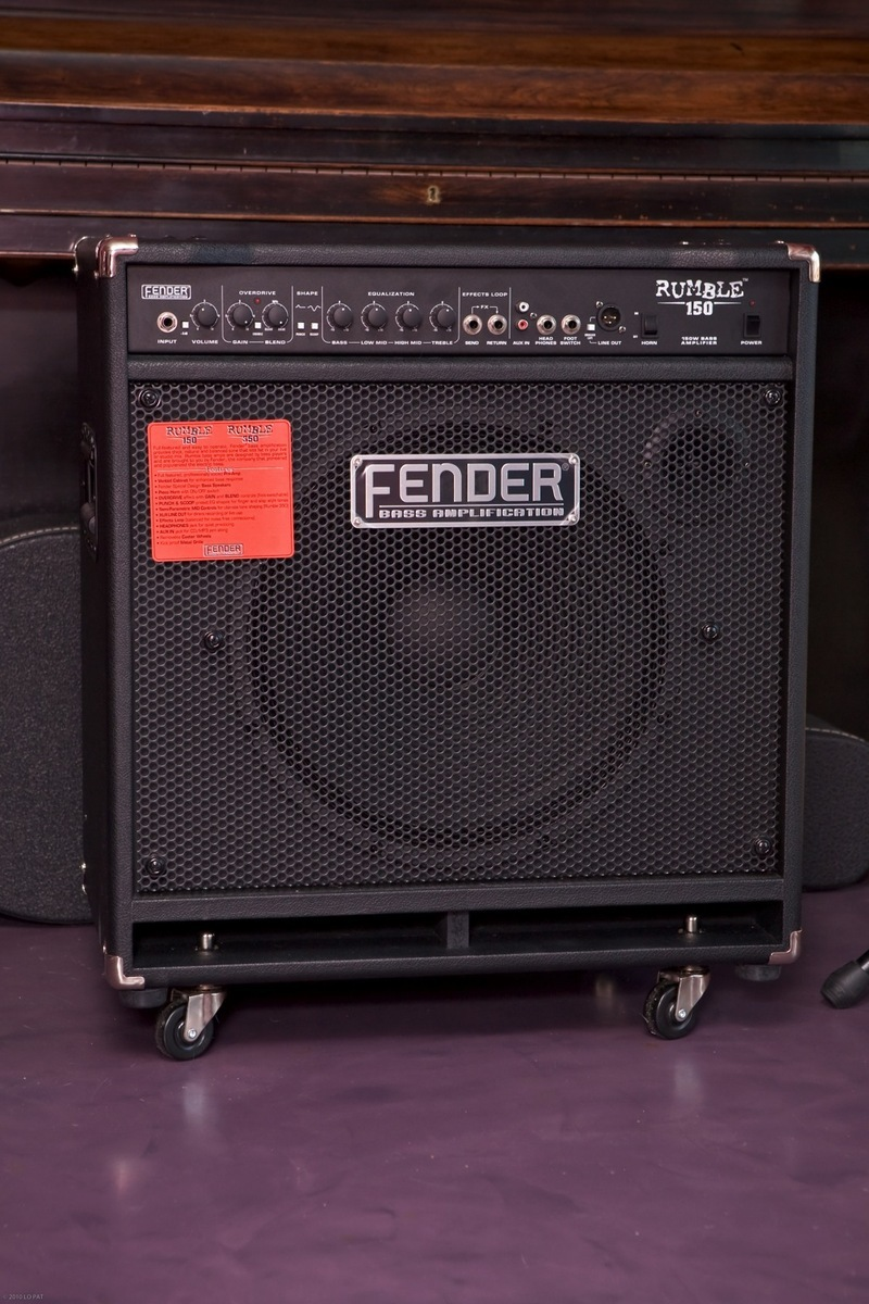Fender Rumble 150 Review Power On Casters Audiofanzine