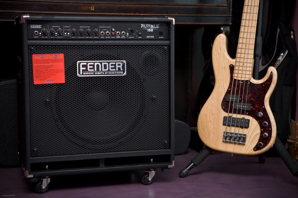 fender rumble 150 review power on casters audiofanzine. Black Bedroom Furniture Sets. Home Design Ideas