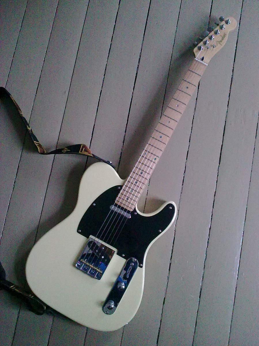 Lite ash stratocaster vintage white