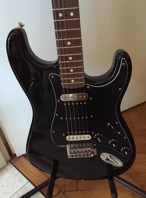 Standard Stratocaster Hh 2015 Current Fender Audiofanzine