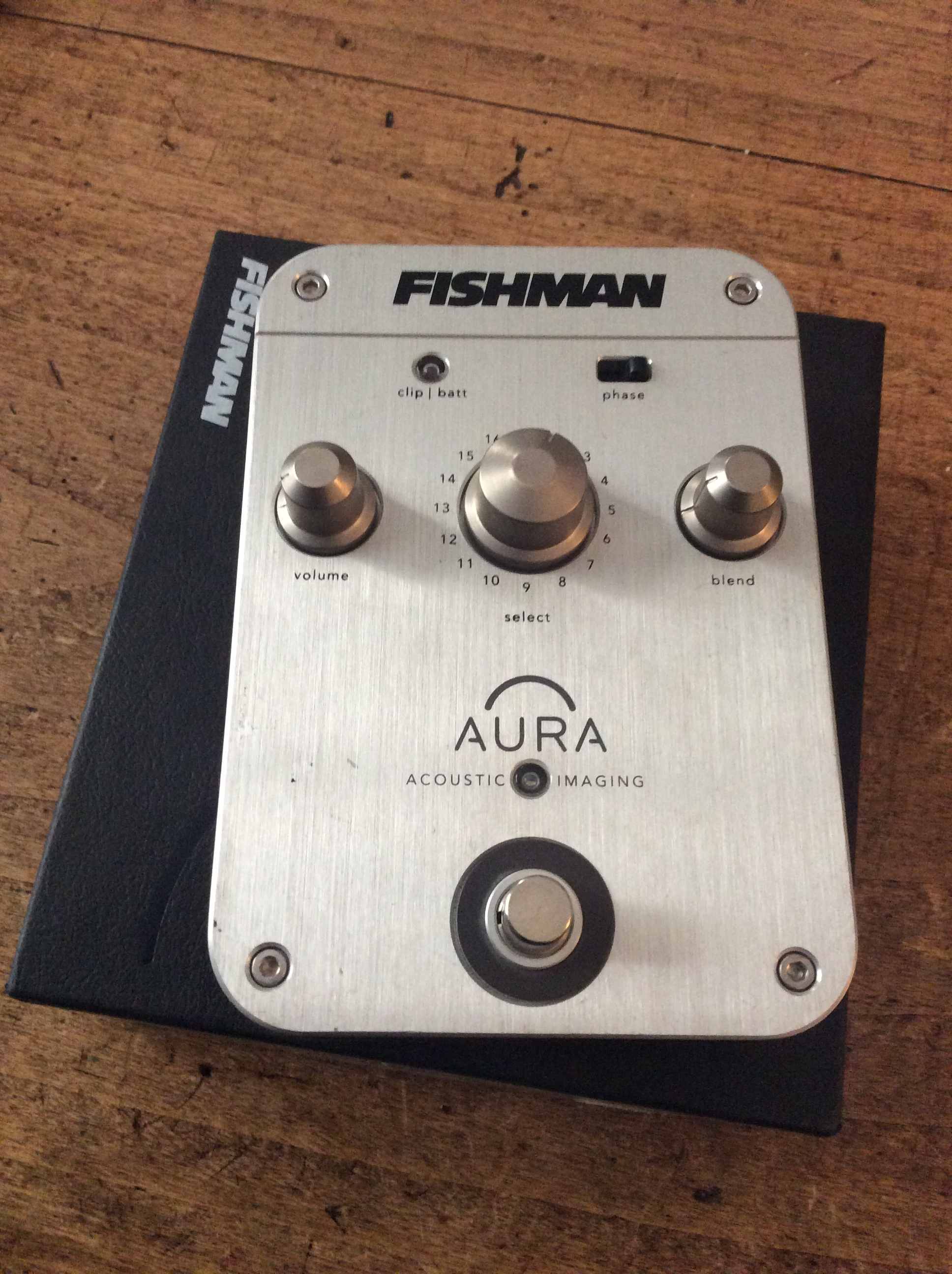 Fishman Aura Spectrum DI and Acoustic Guitar Preamp ...