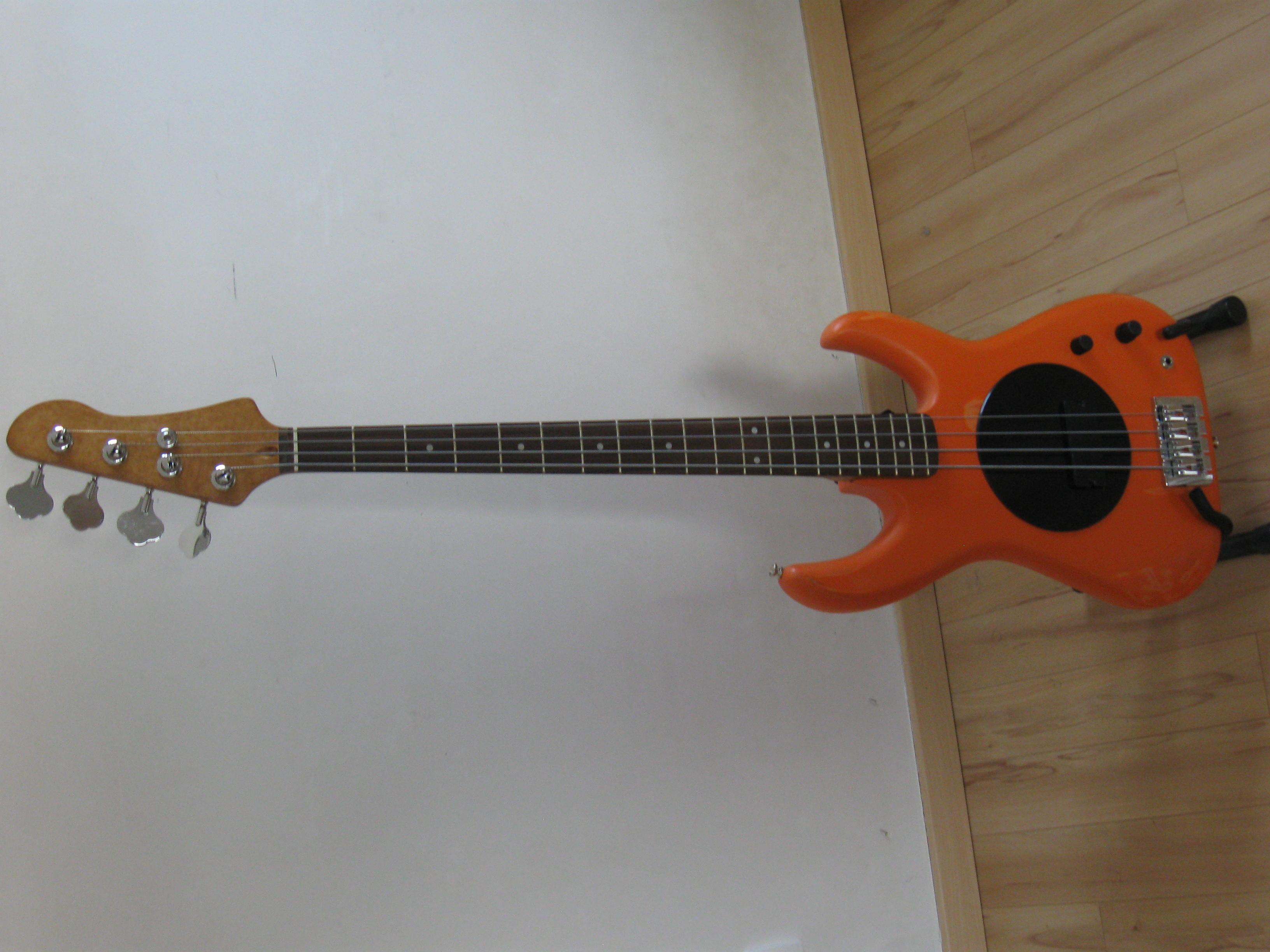 Flea Bass 32 Bass Review | Chorder.com
