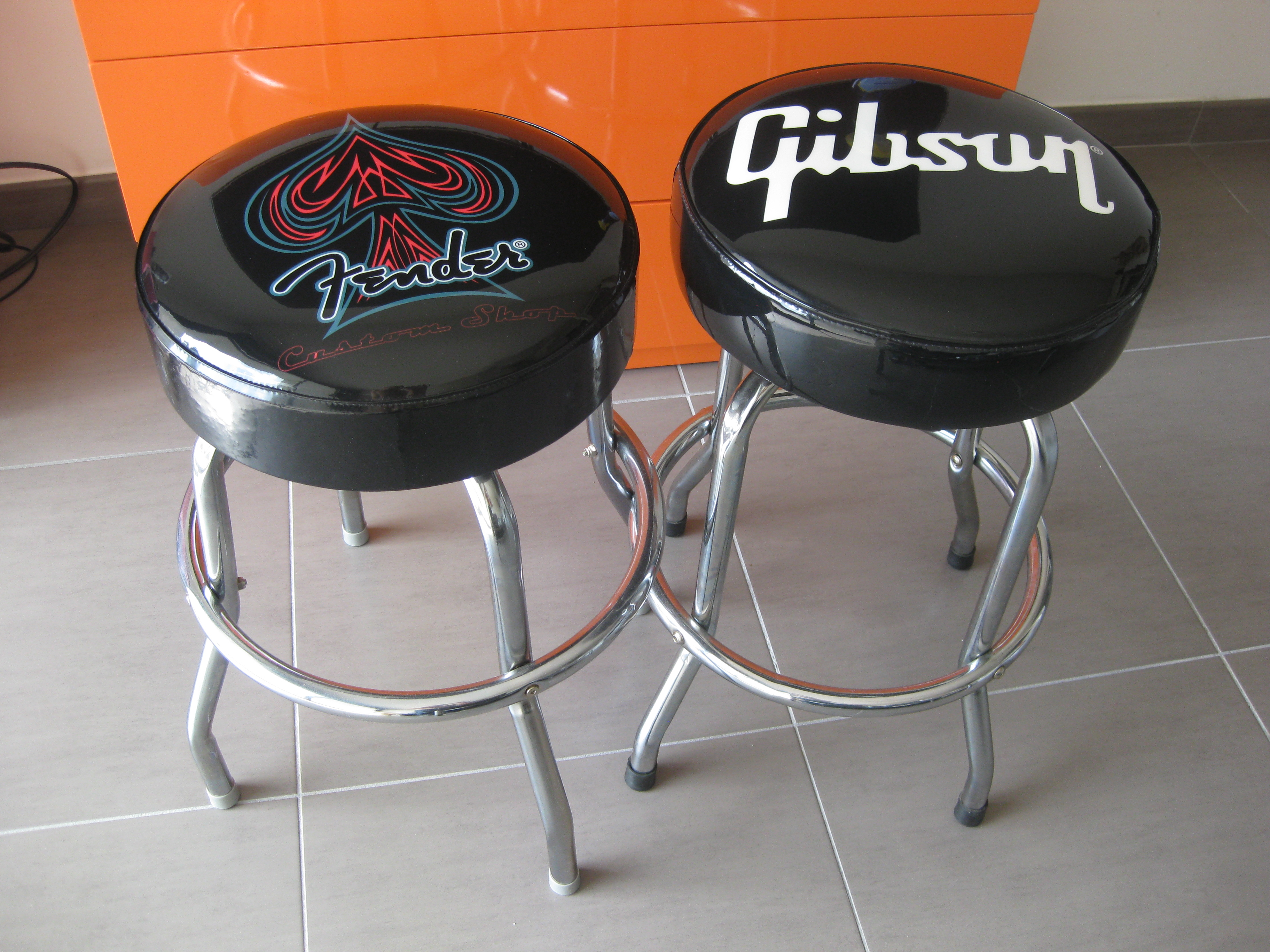 Gibson Bar Stool Image 922692 Audiofanzine