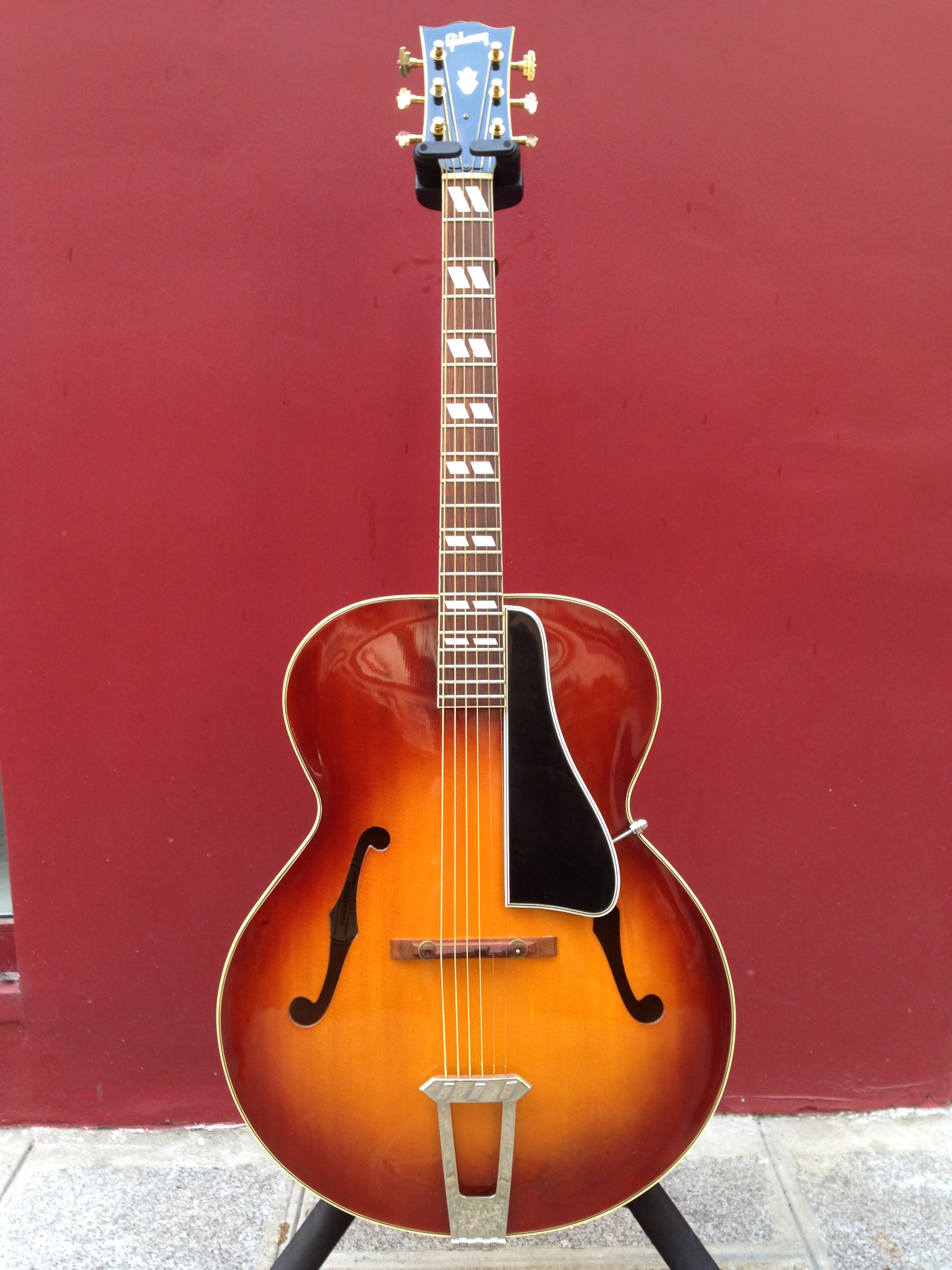 Vintage Gibson Archtop Gitarre