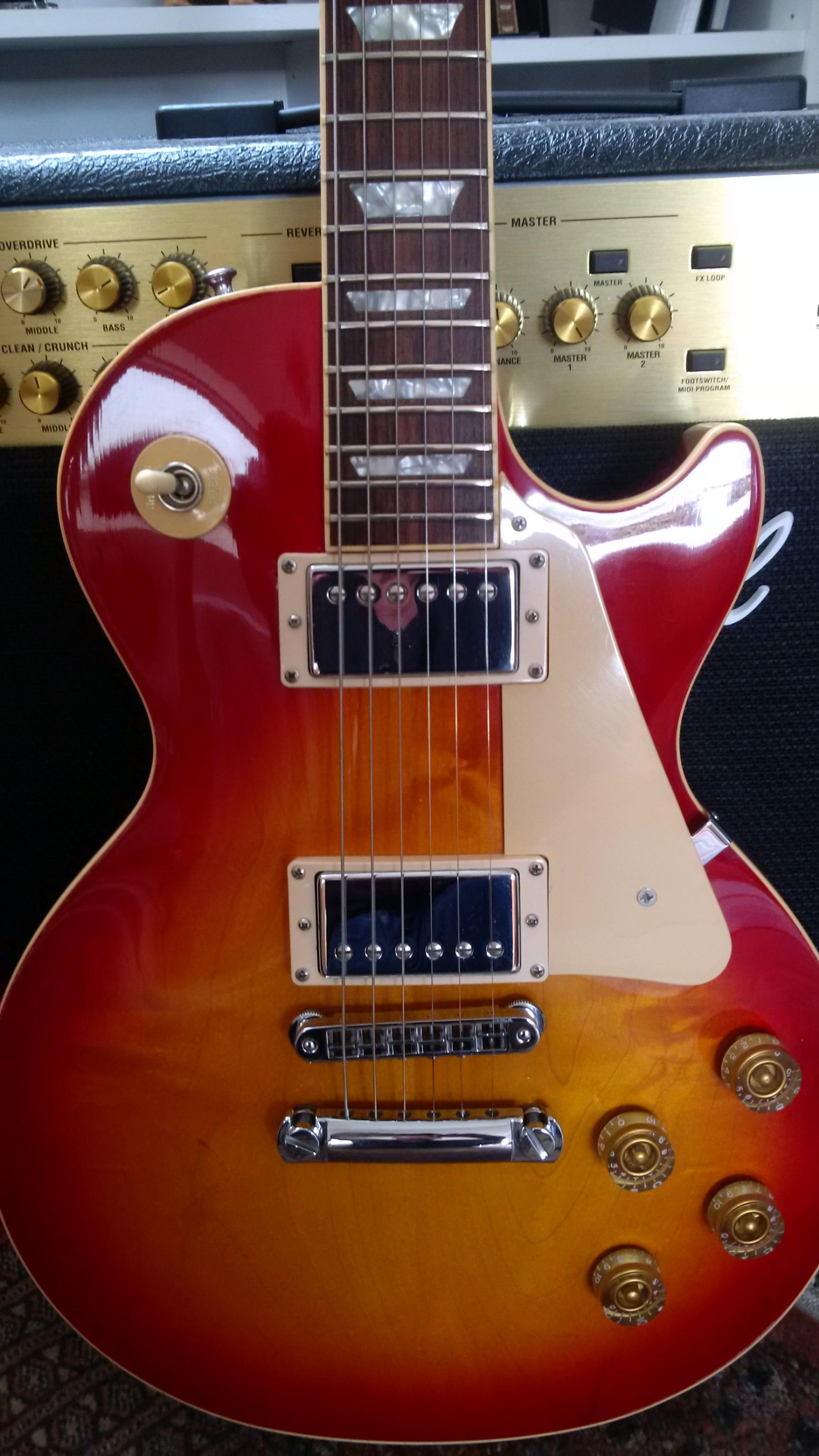datant Gibson Flying v