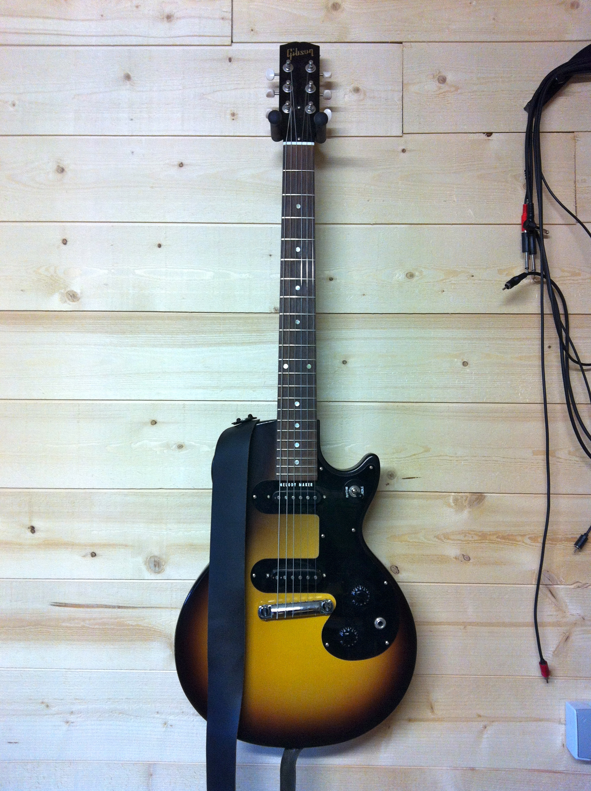 maker vintage sunburst melody
