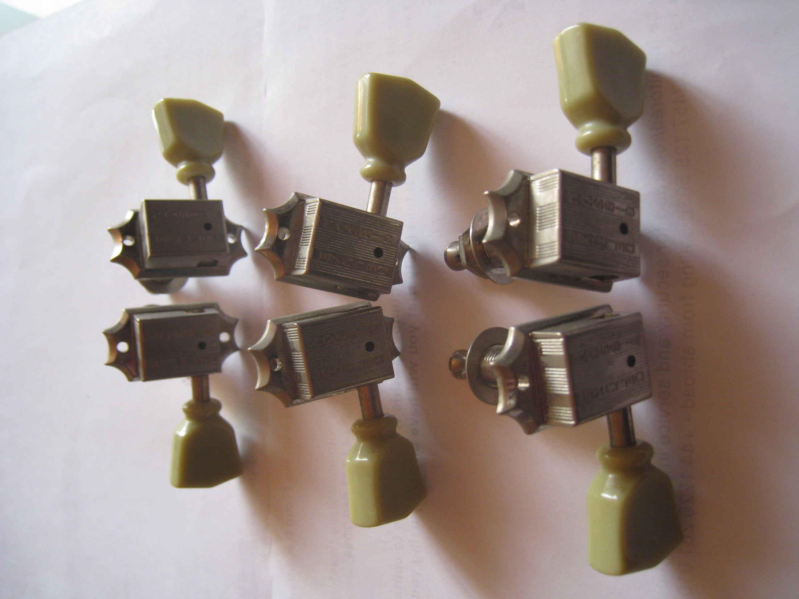 gibson vintage nickel machine heads with pearloid buttons