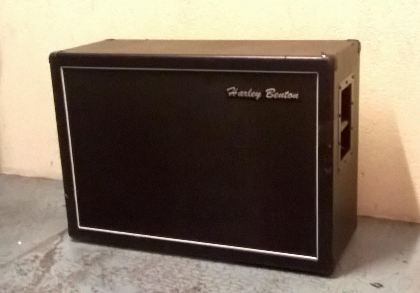 photo harley benton g212 vintage cabinet harley benton 2 1460907 audiofanzine. Black Bedroom Furniture Sets. Home Design Ideas