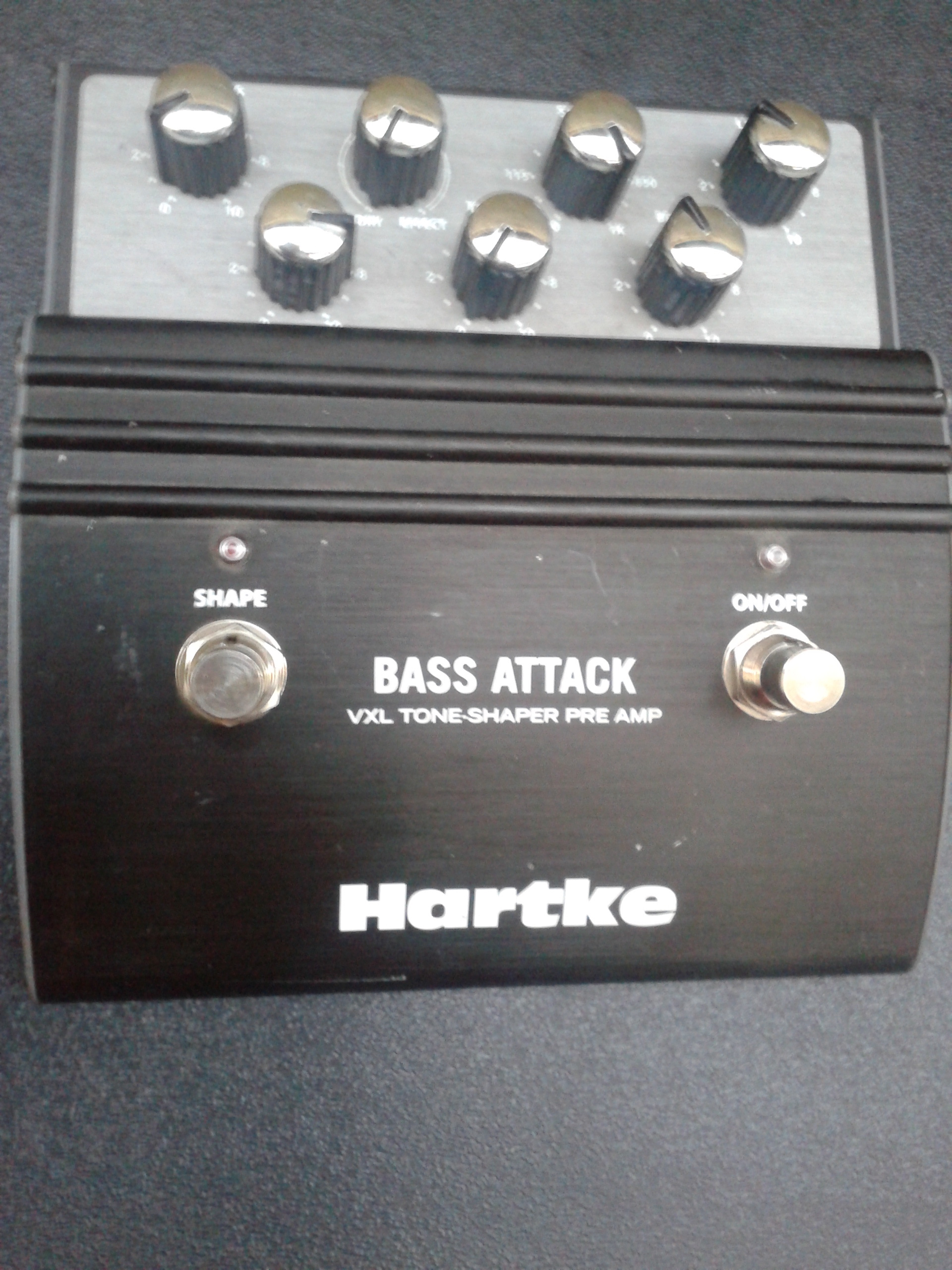 hartke vxl bass attack languedoc roussillon audiofanzine. Black Bedroom Furniture Sets. Home Design Ideas