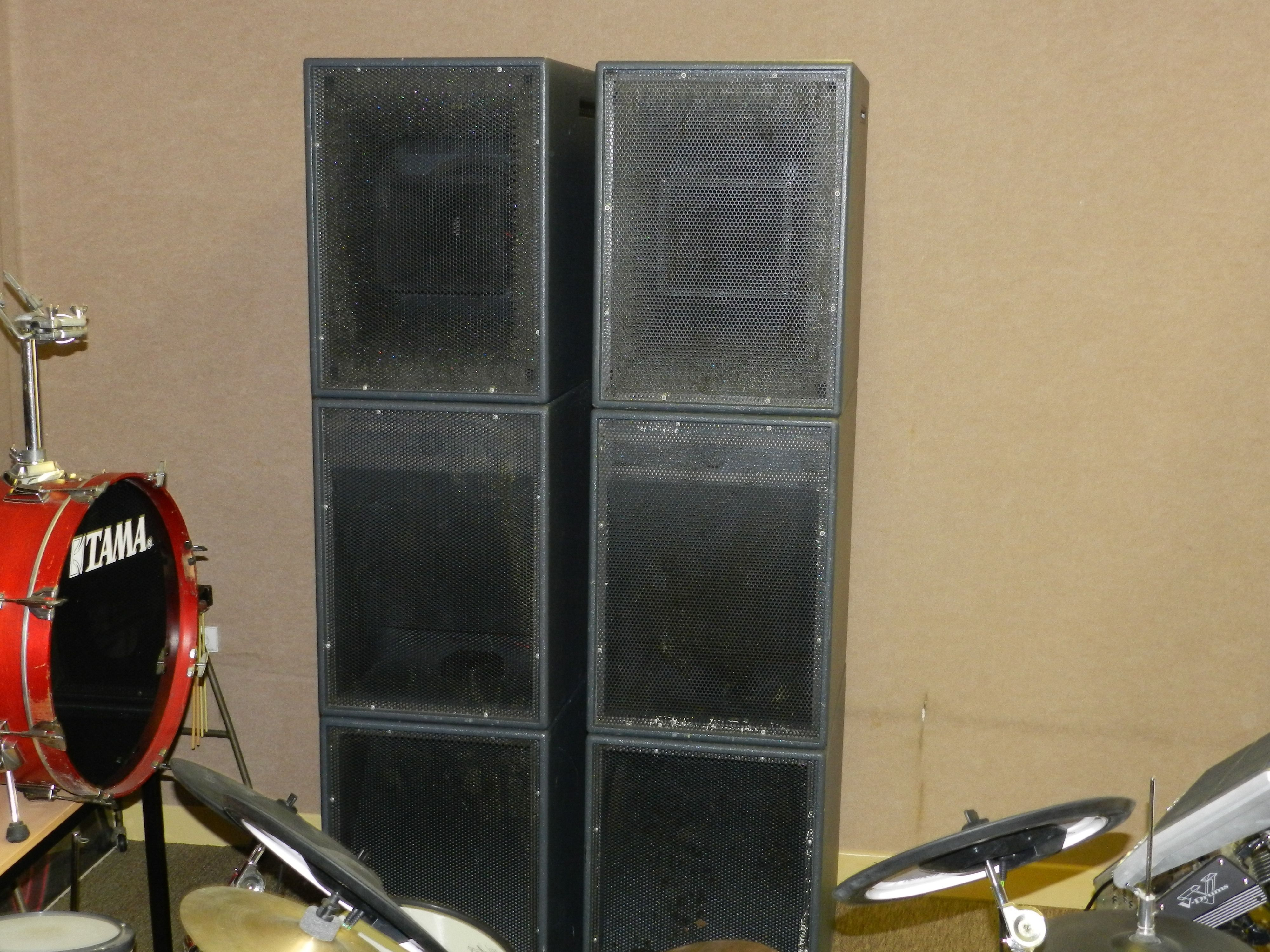 hk audio projector system image 308625 audiofanzine. Black Bedroom Furniture Sets. Home Design Ideas