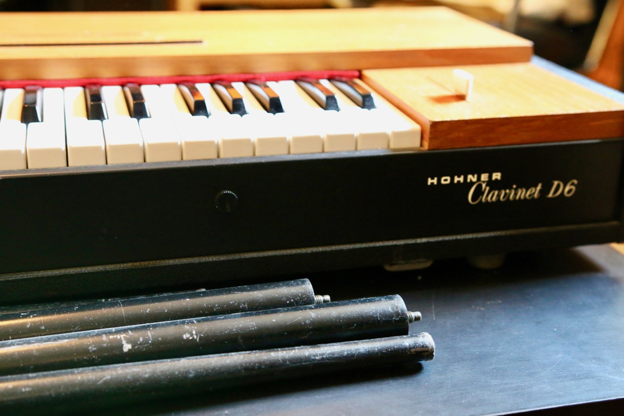 photo hohner clavinet d6 hohner clavinet d6 38558 1661617 audiofanzine. Black Bedroom Furniture Sets. Home Design Ideas