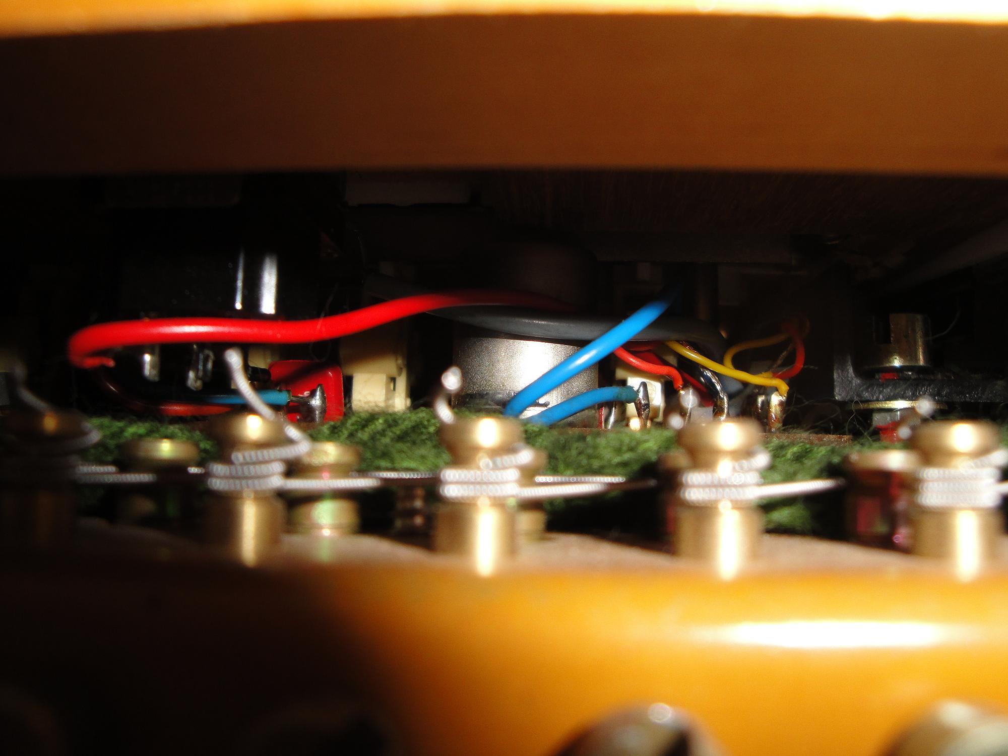 hohner clavinet d6 image 383515 audiofanzine. Black Bedroom Furniture Sets. Home Design Ideas