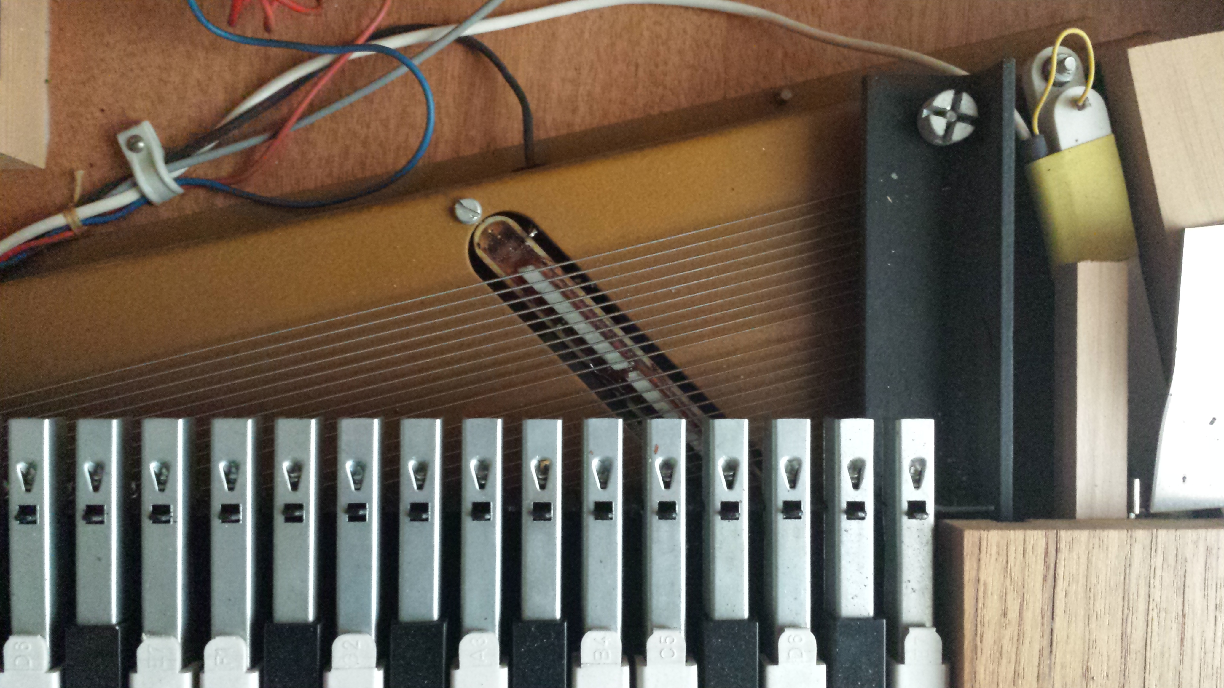 hohner clavinet d6 image 626091 audiofanzine. Black Bedroom Furniture Sets. Home Design Ideas