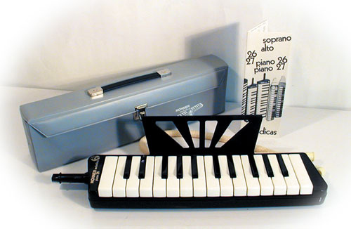 rare melodica hohner vintage piano 26 6000 petite. Black Bedroom Furniture Sets. Home Design Ideas