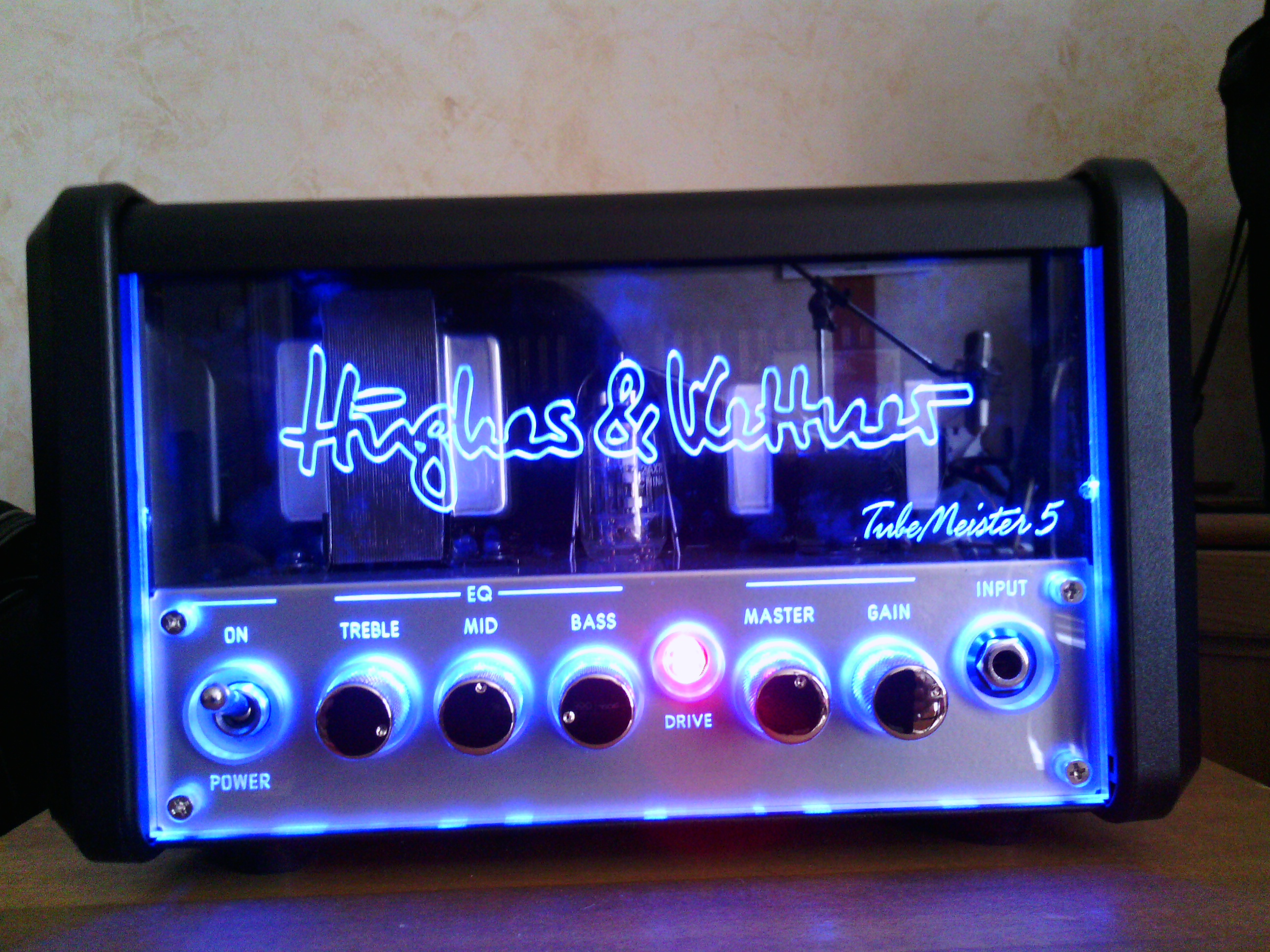 hughes kettner tubemeister 5 head image 628336 audiofanzine. Black Bedroom Furniture Sets. Home Design Ideas