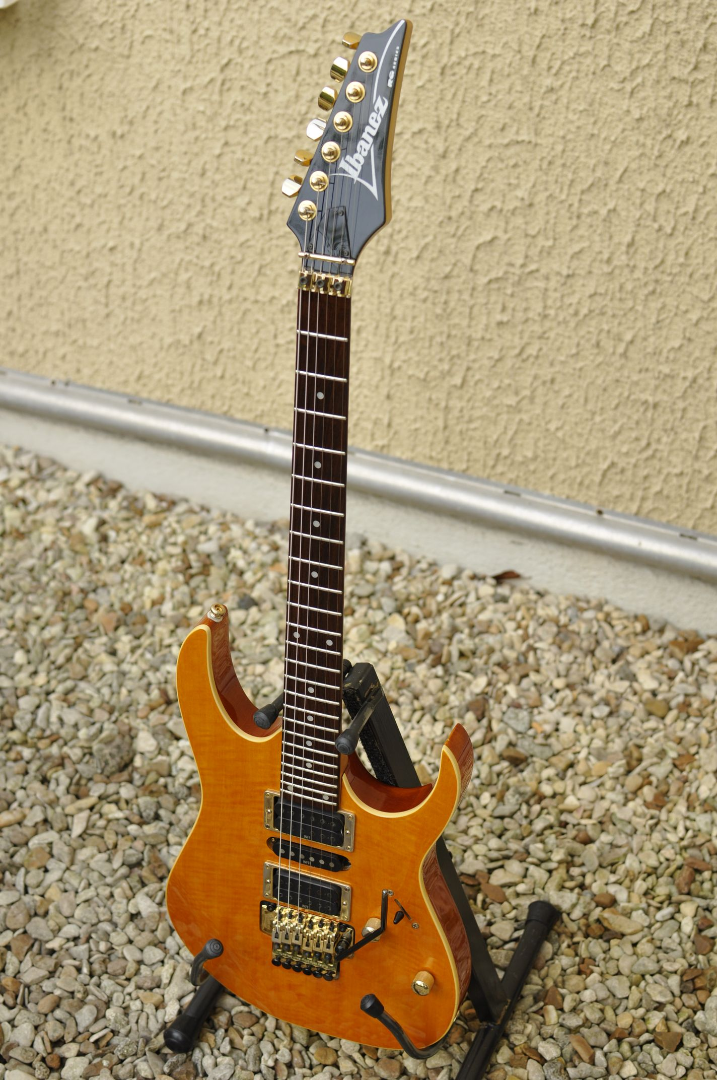 ibanez rg dating Finish based on the previously released j-custom rg-metal1 dating an axe from the heel plate is my personal jem/uv collection, ibanez guitar.