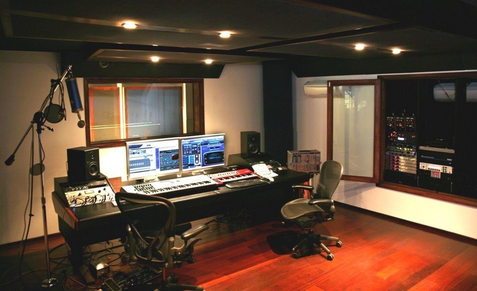 Das Studio von Infected Mushroom in L.A.